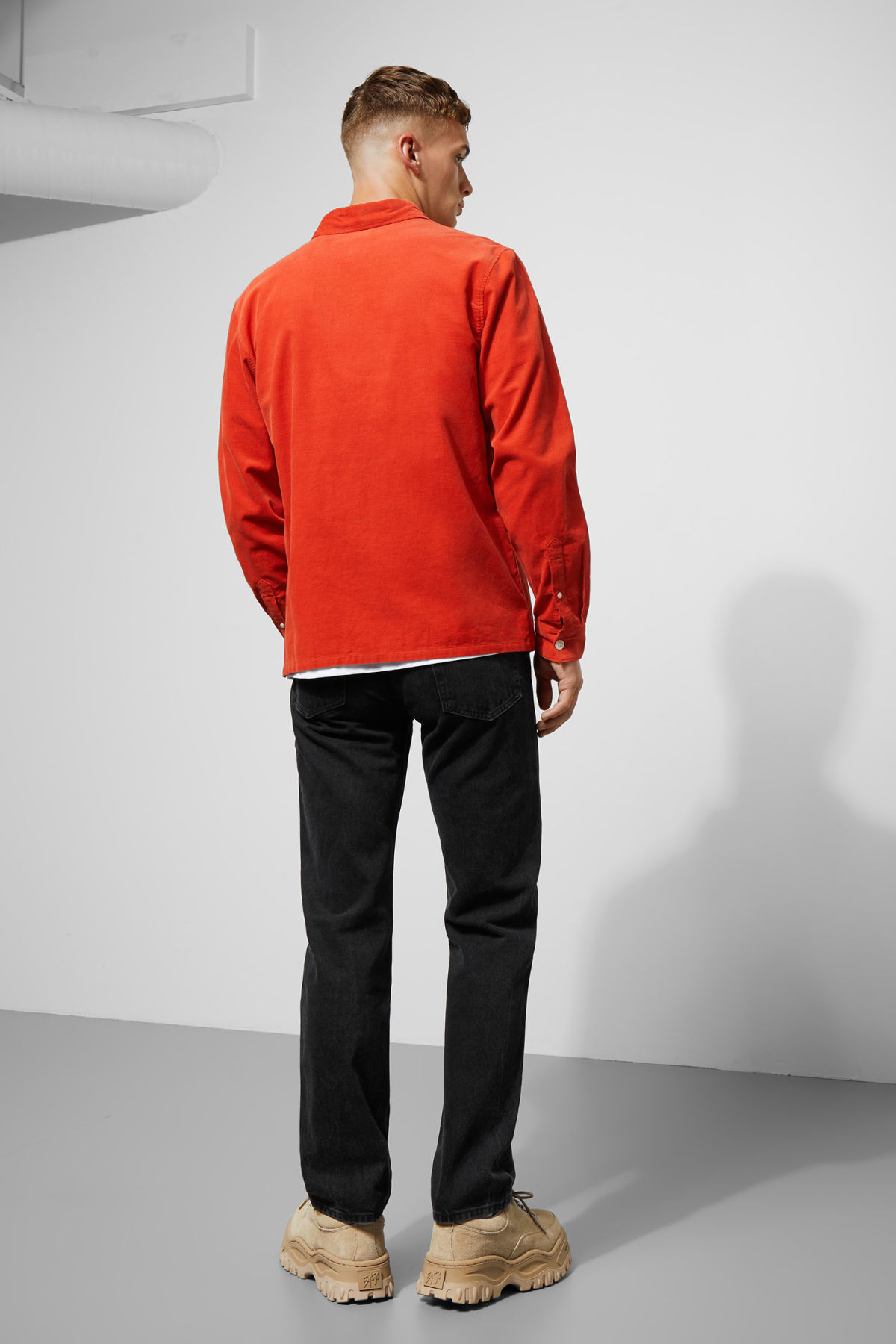Model side image of Weekday wise cord shirt in orange