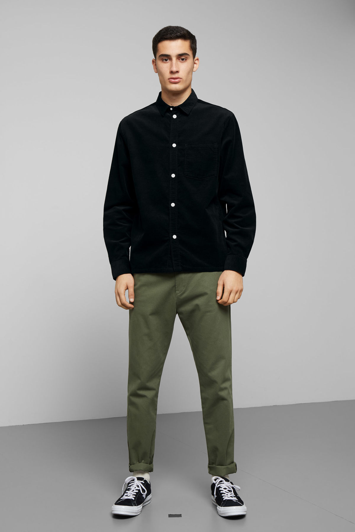 Model side image of Weekday wise cord shirt in black