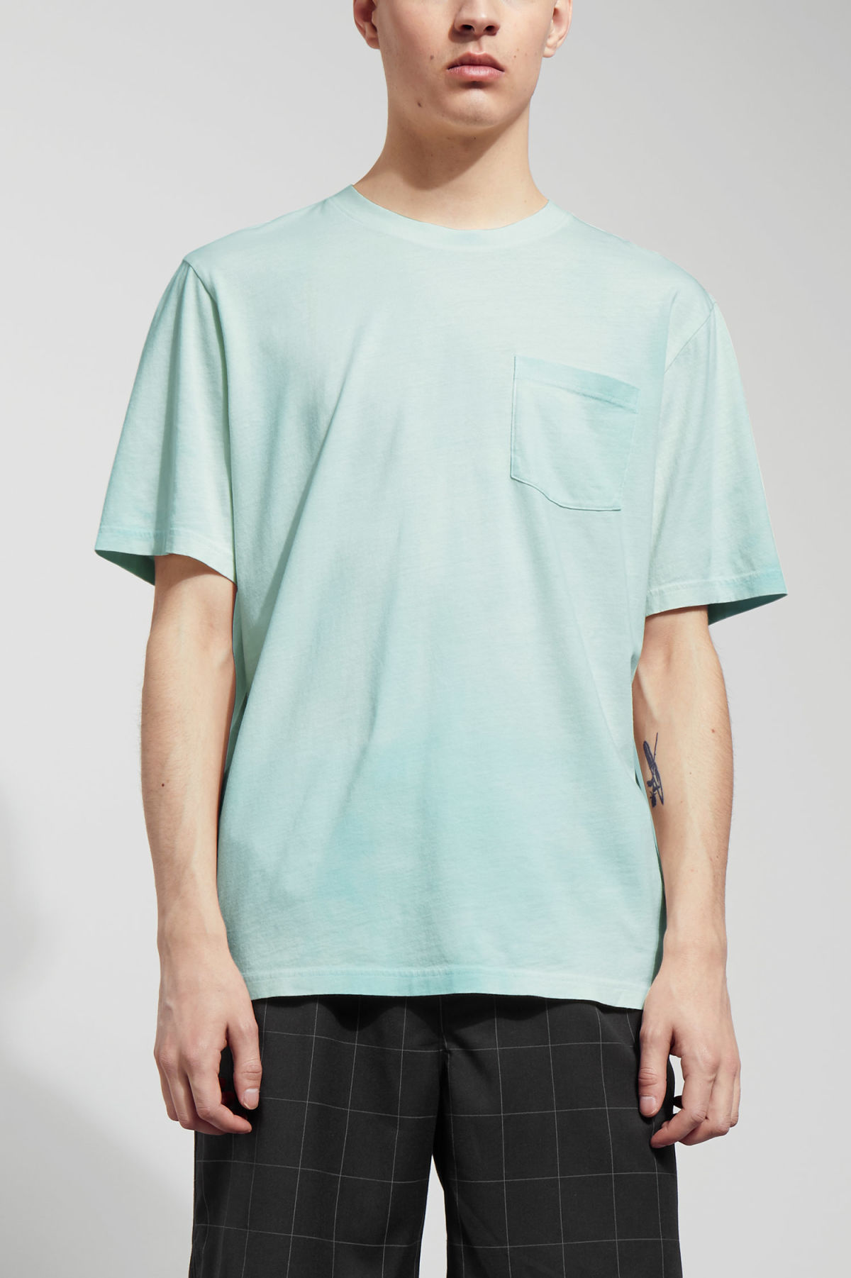 Model front image of Weekday heat t-shirt in green