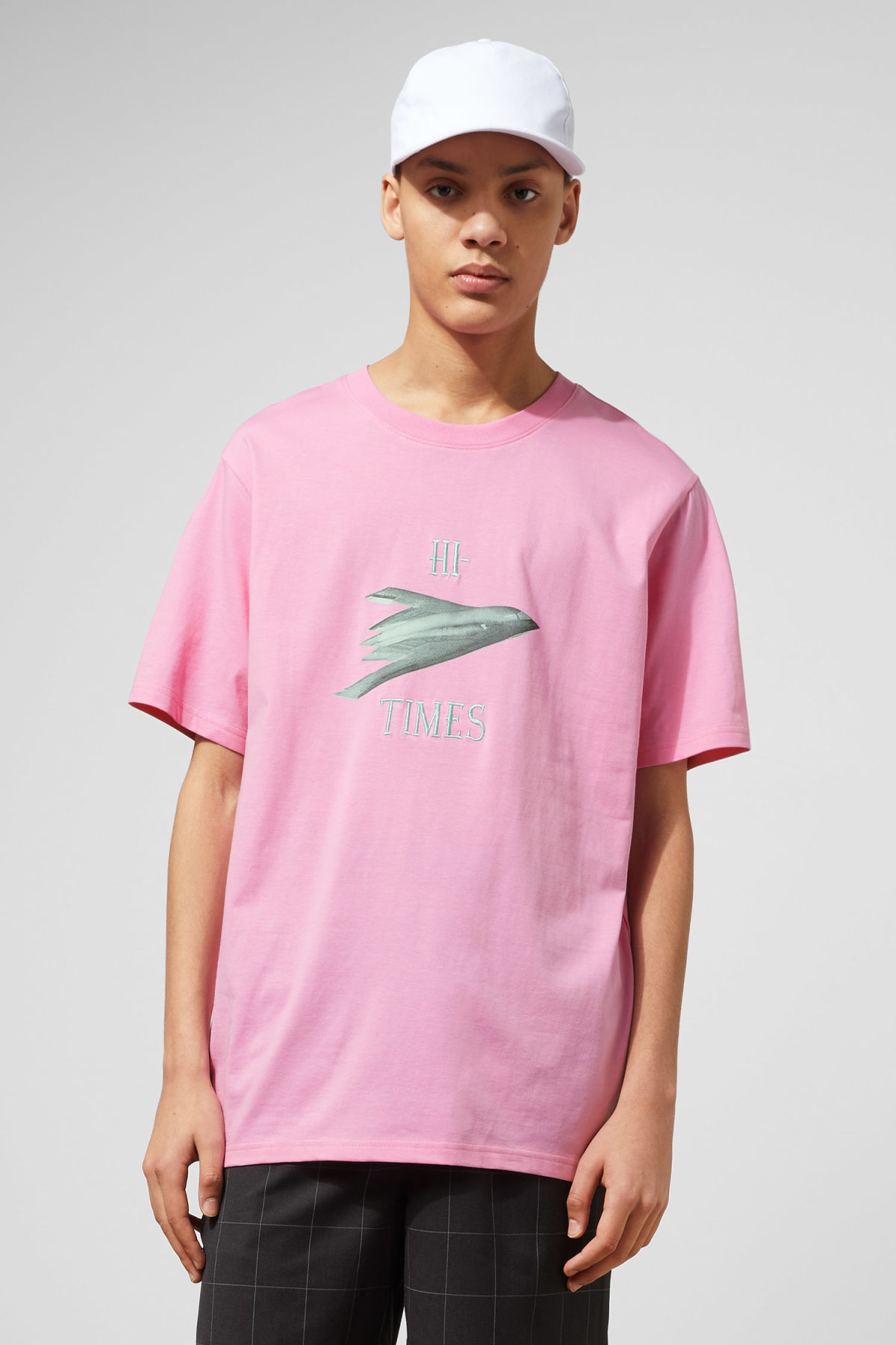 Model front image of Weekday frank times t-shirt in pink