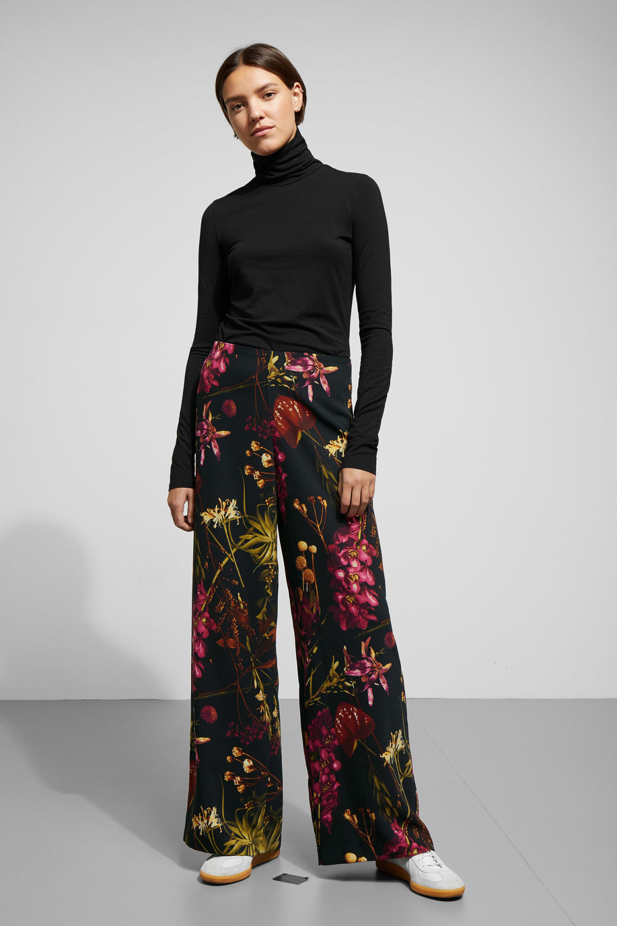 Model front image of Weekday julia print trousers  in black
