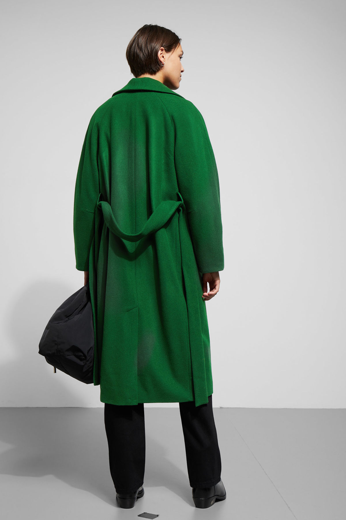 Model back image of Weekday  in green