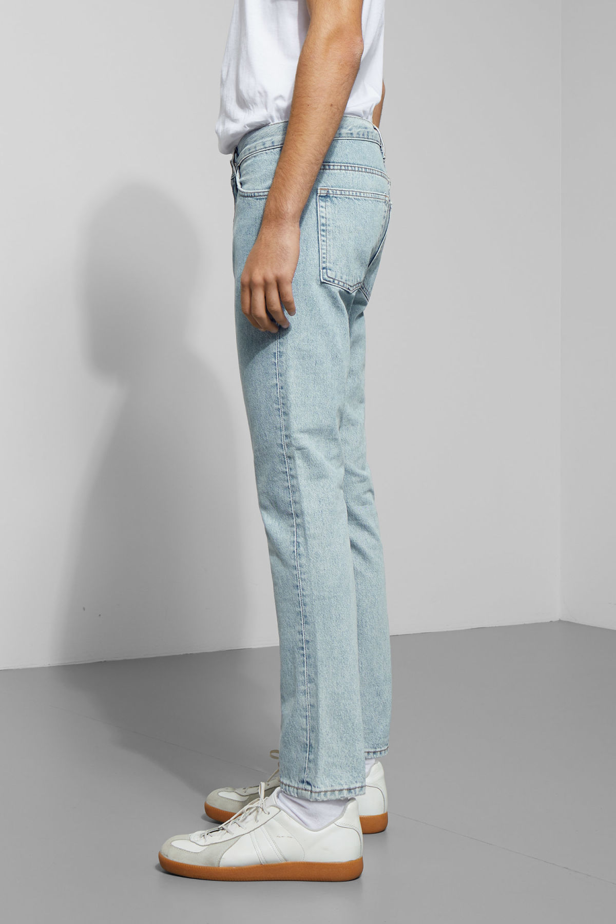 Model side image of Weekday friday best blue jeans in blue