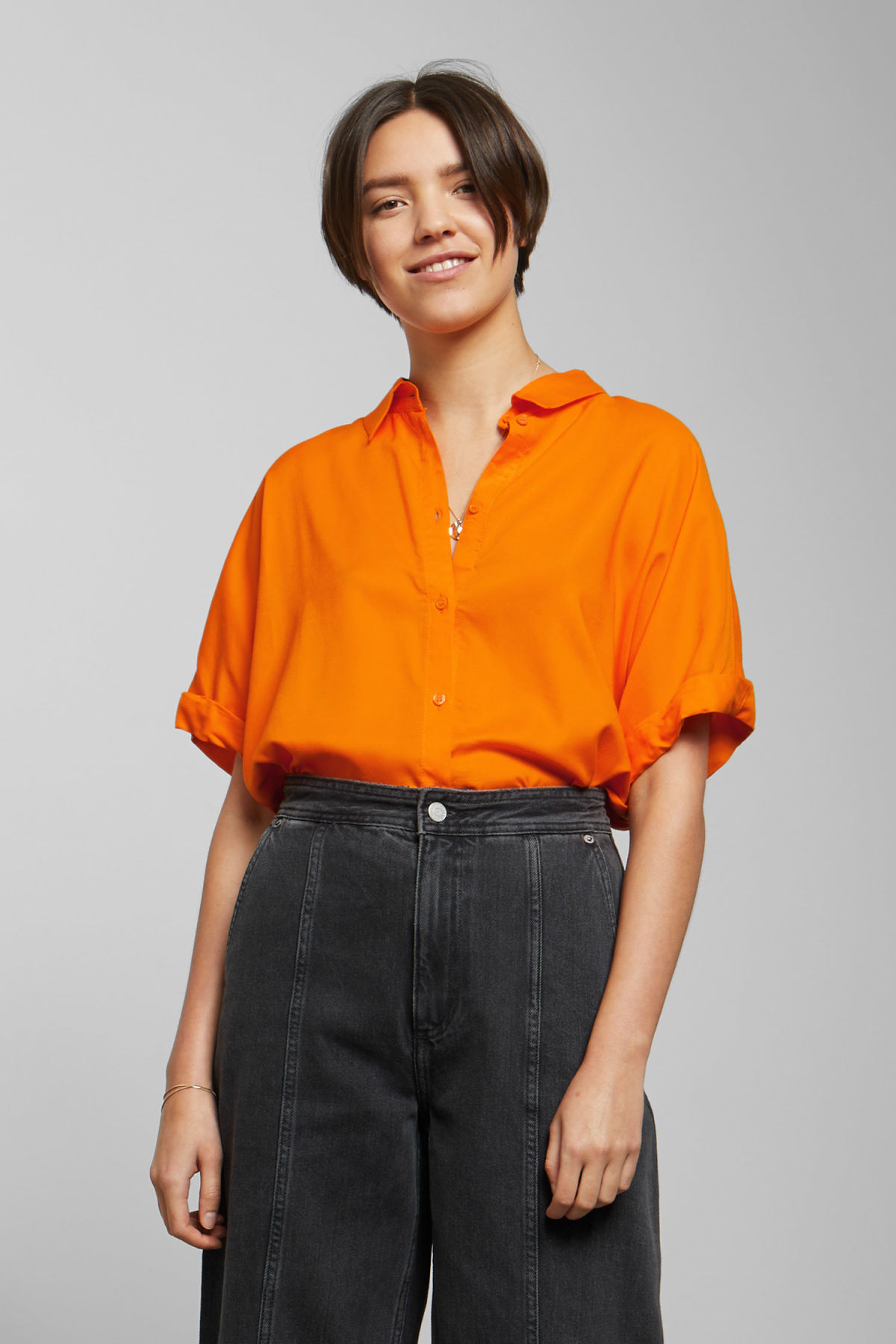 Model front image of Weekday groove blouse in orange