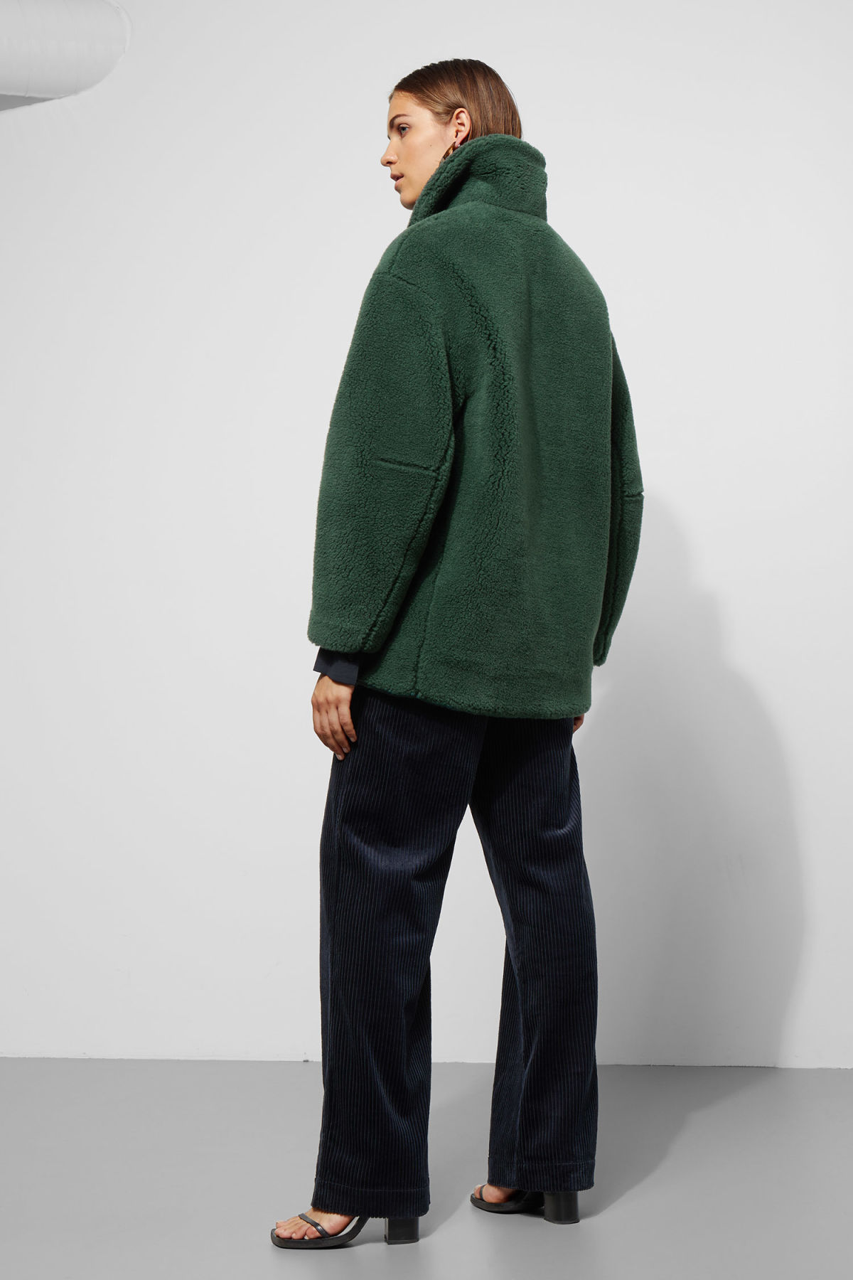 Model back image of Weekday felice jacket in green