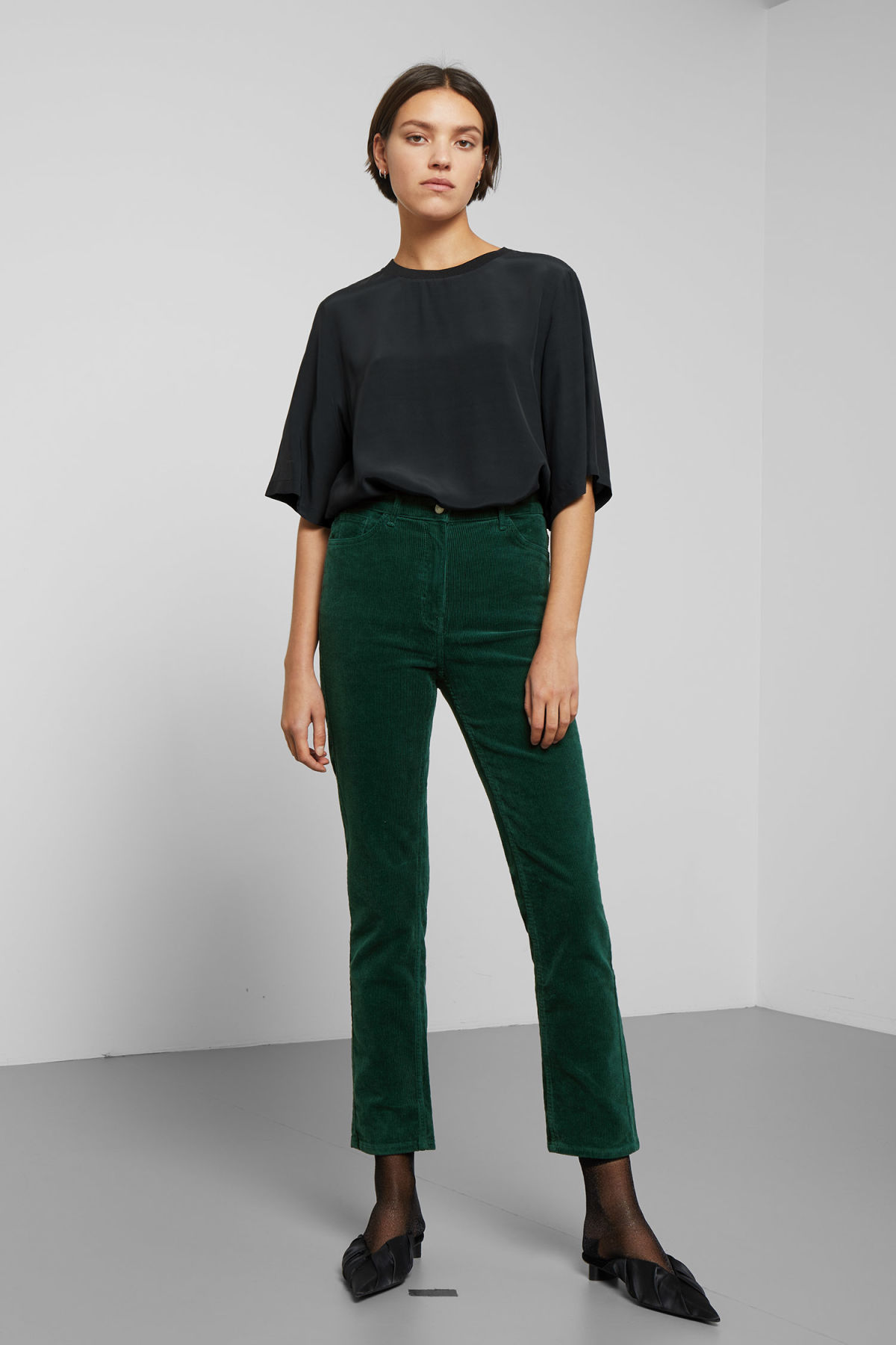 Model front image of Weekday eve cord trousers in green