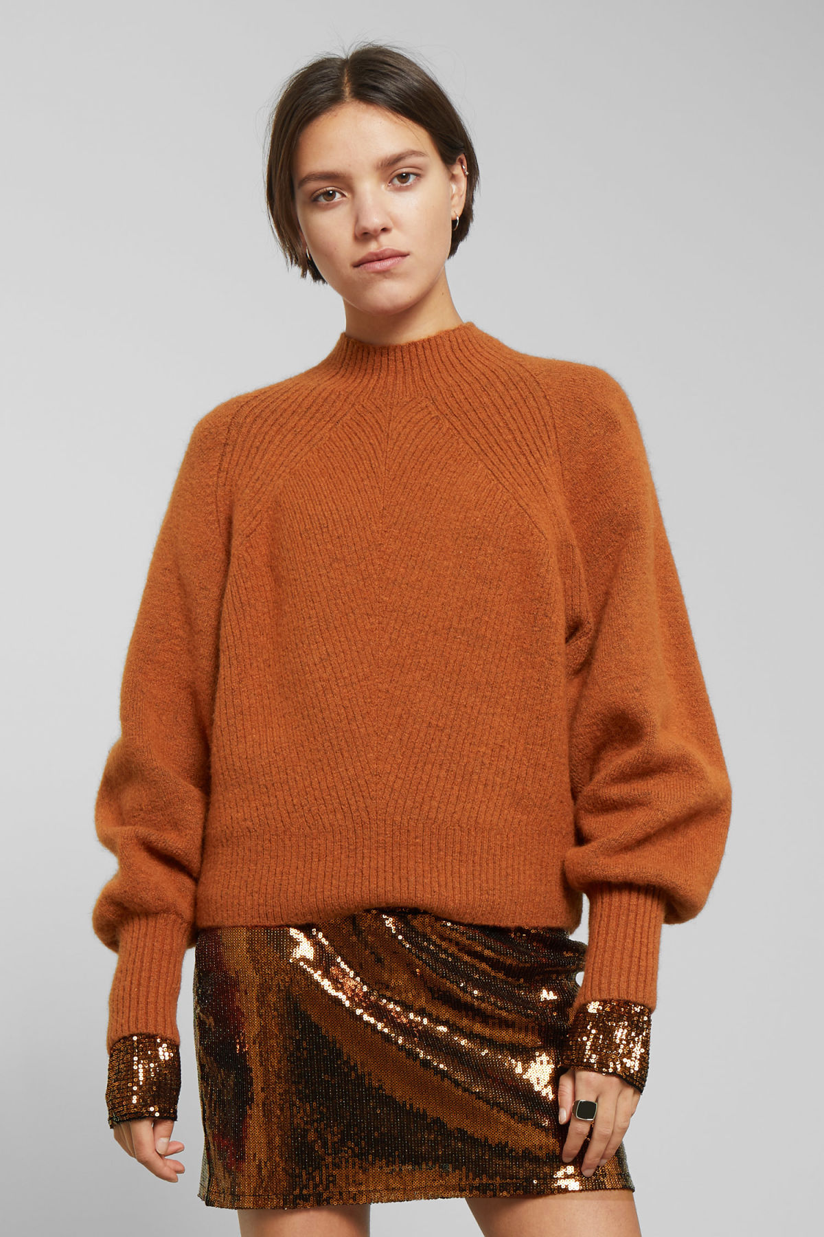 Model front image of Weekday howlin sweater in orange