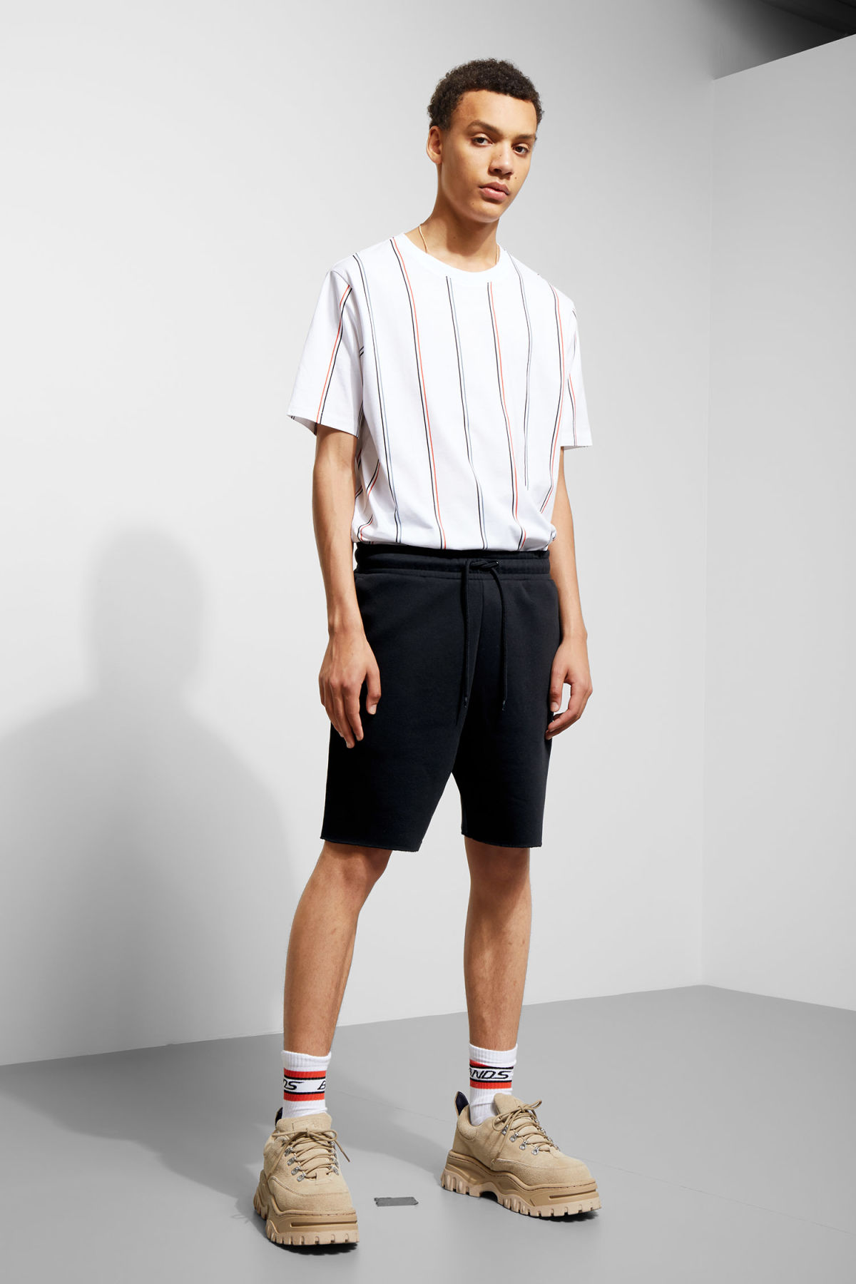 Model front image of Weekday sun jersey shorts in black