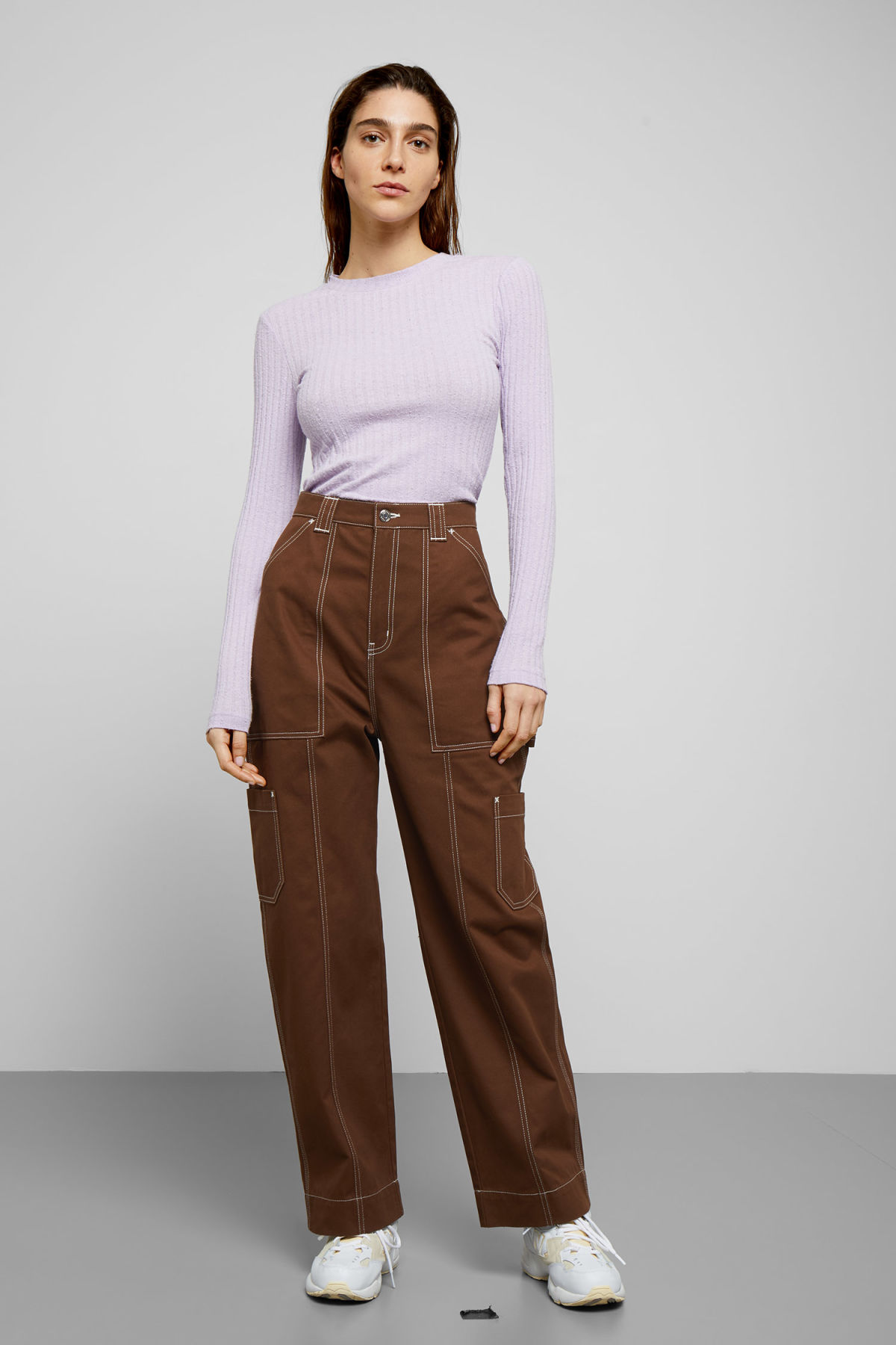 Model front image of Weekday grow trousers in beige
