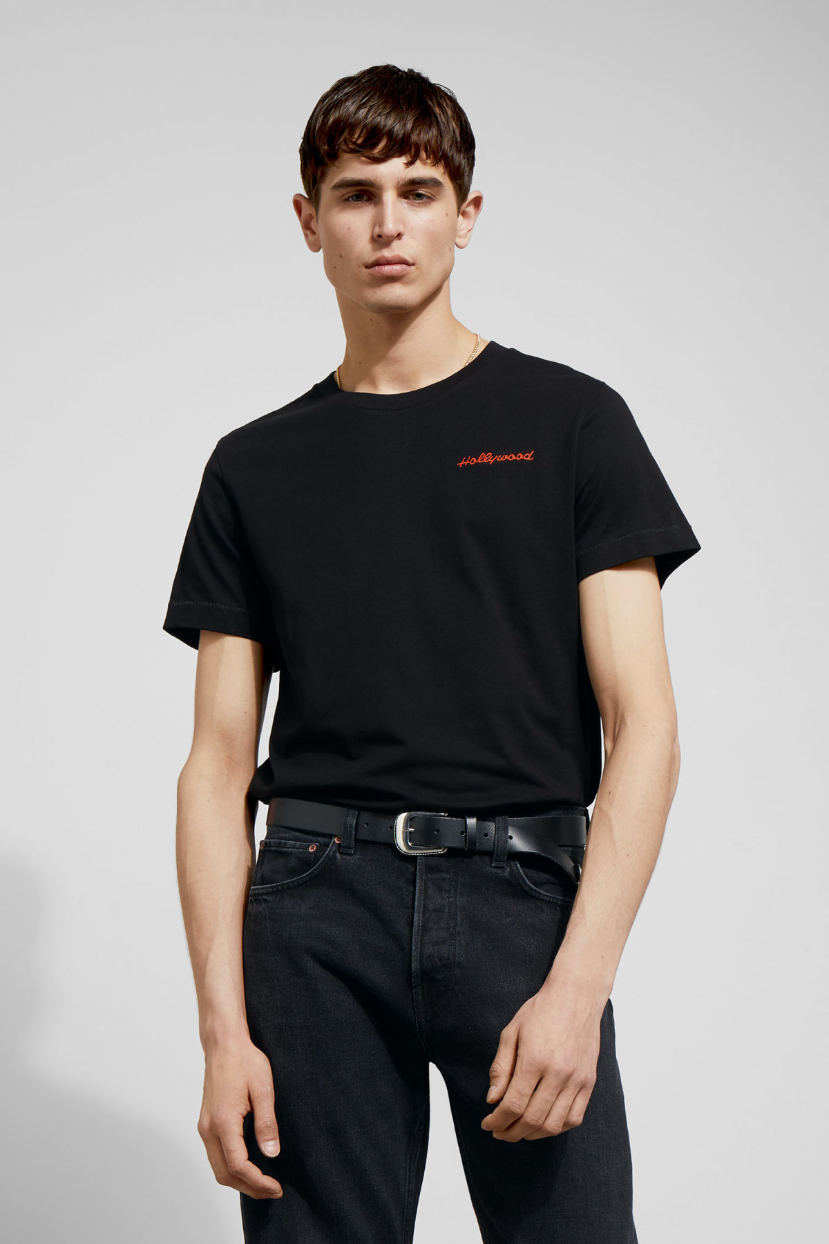 Model front image of Weekday pictor hollywood t-shirt in black
