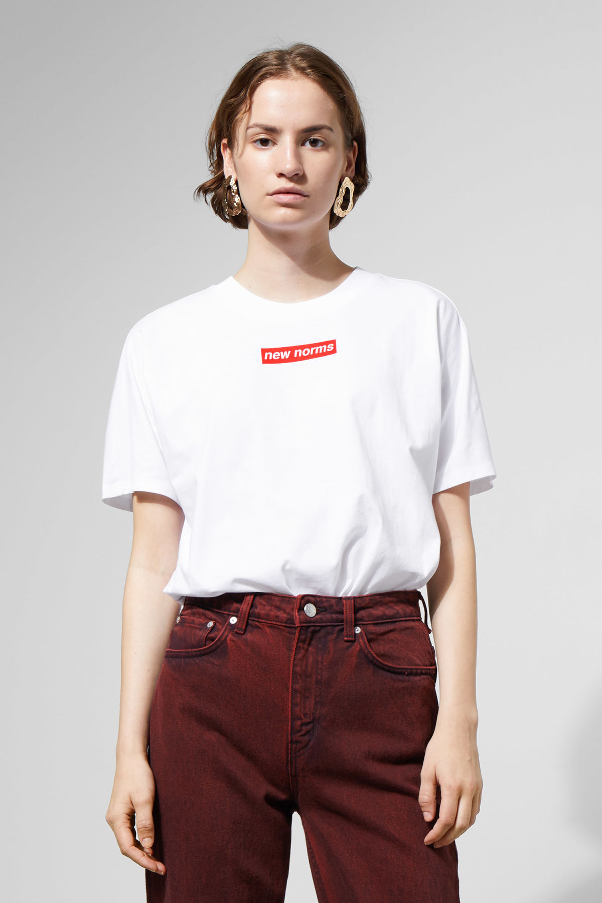 Model front image of Weekday vitrine t-shirt in white