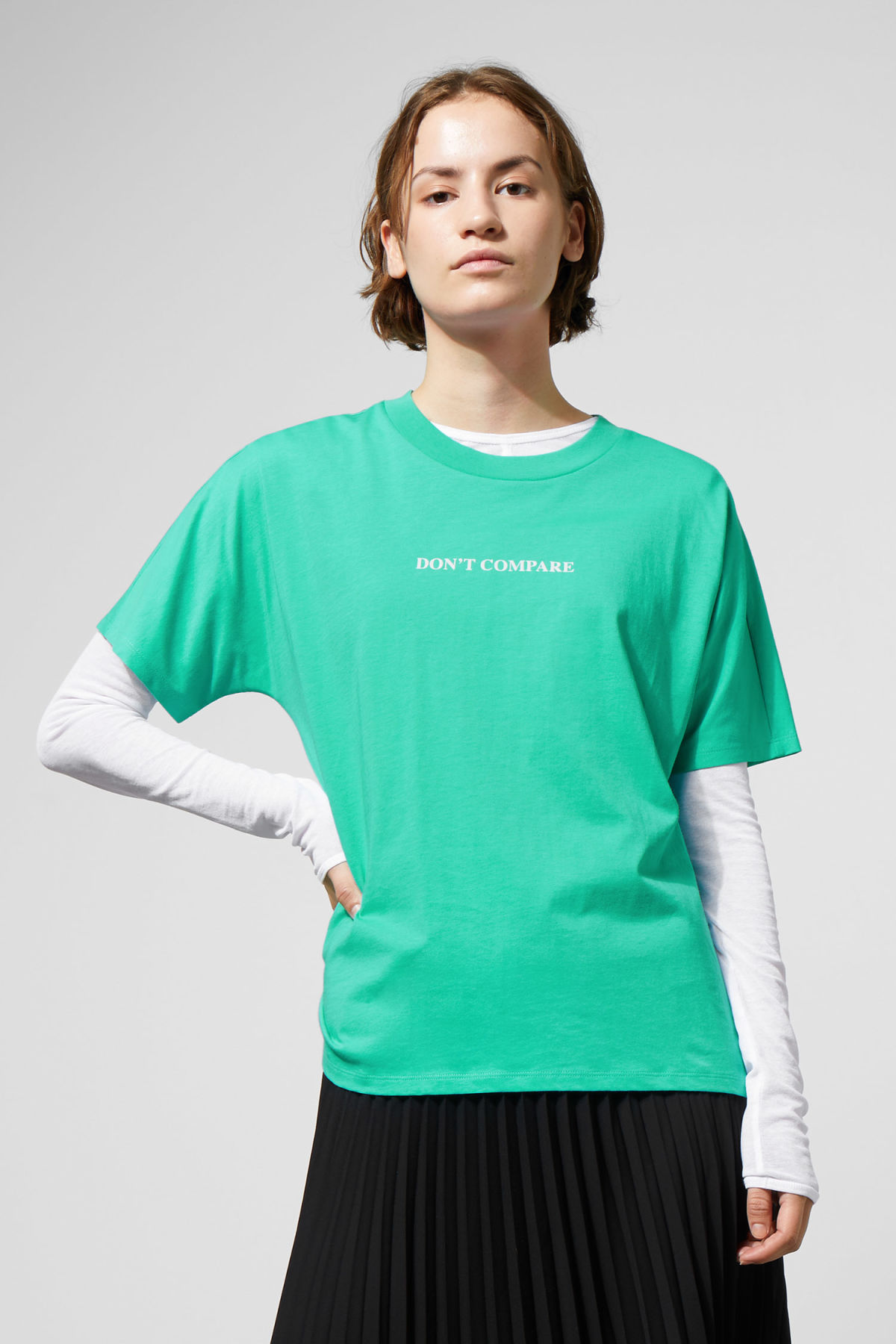 Model front image of Weekday vitrine t-shirt in green