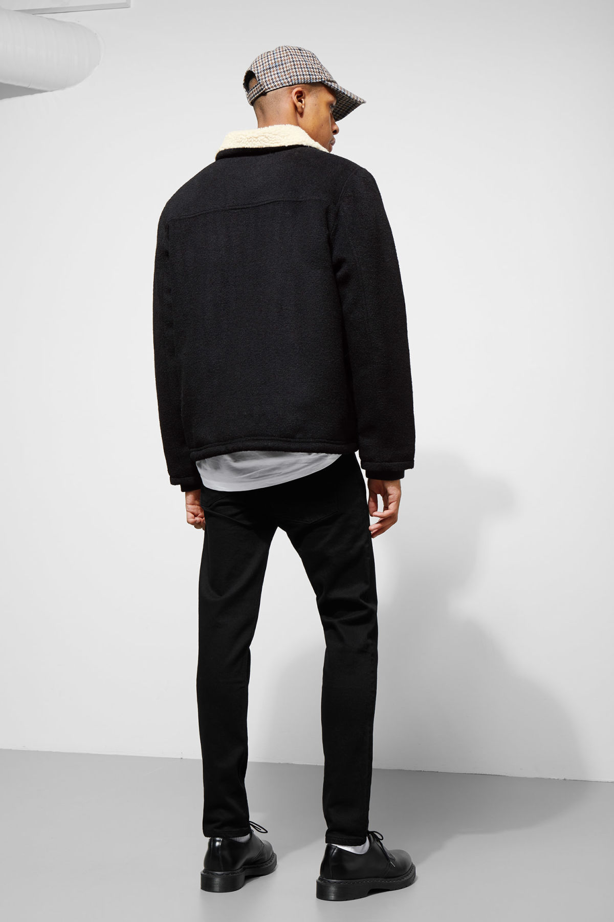 Model back image of Weekday justus jacket in black