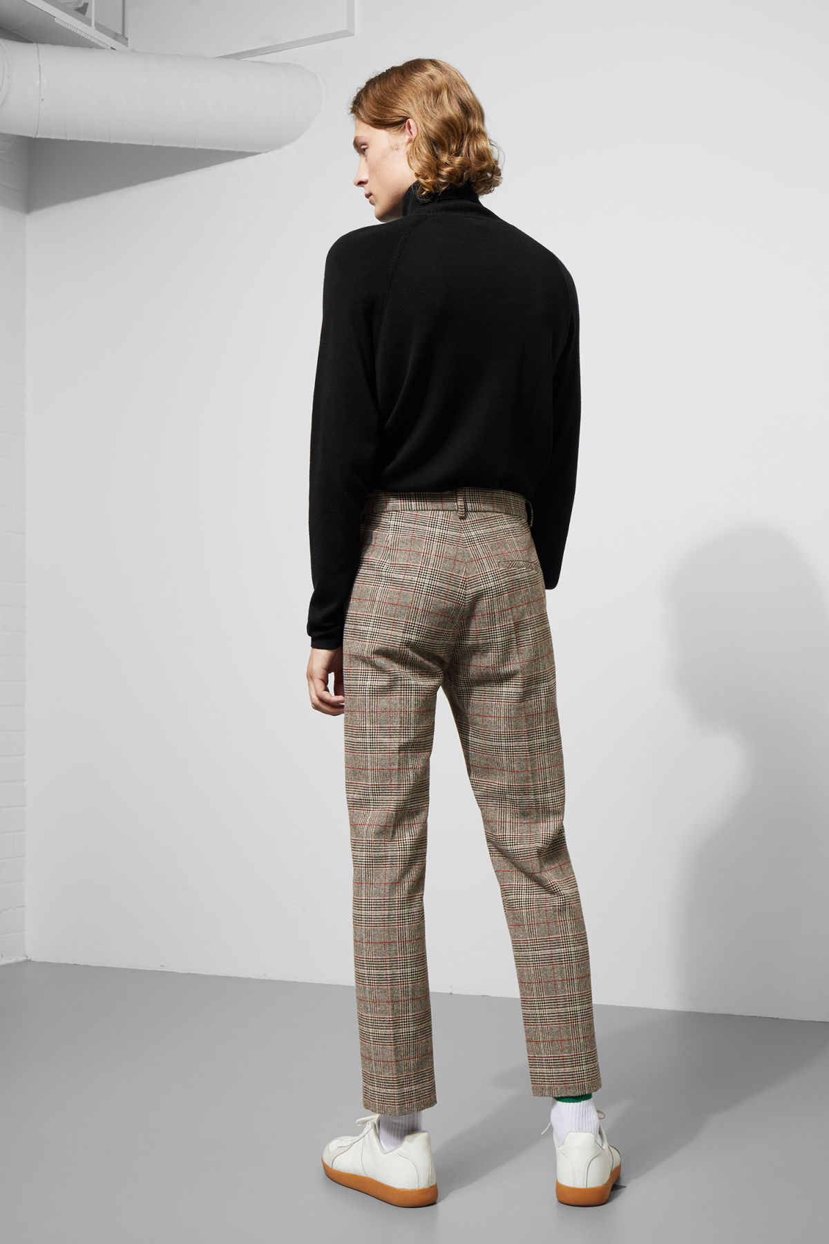 Model back image of Weekday charlie checked trousers in black