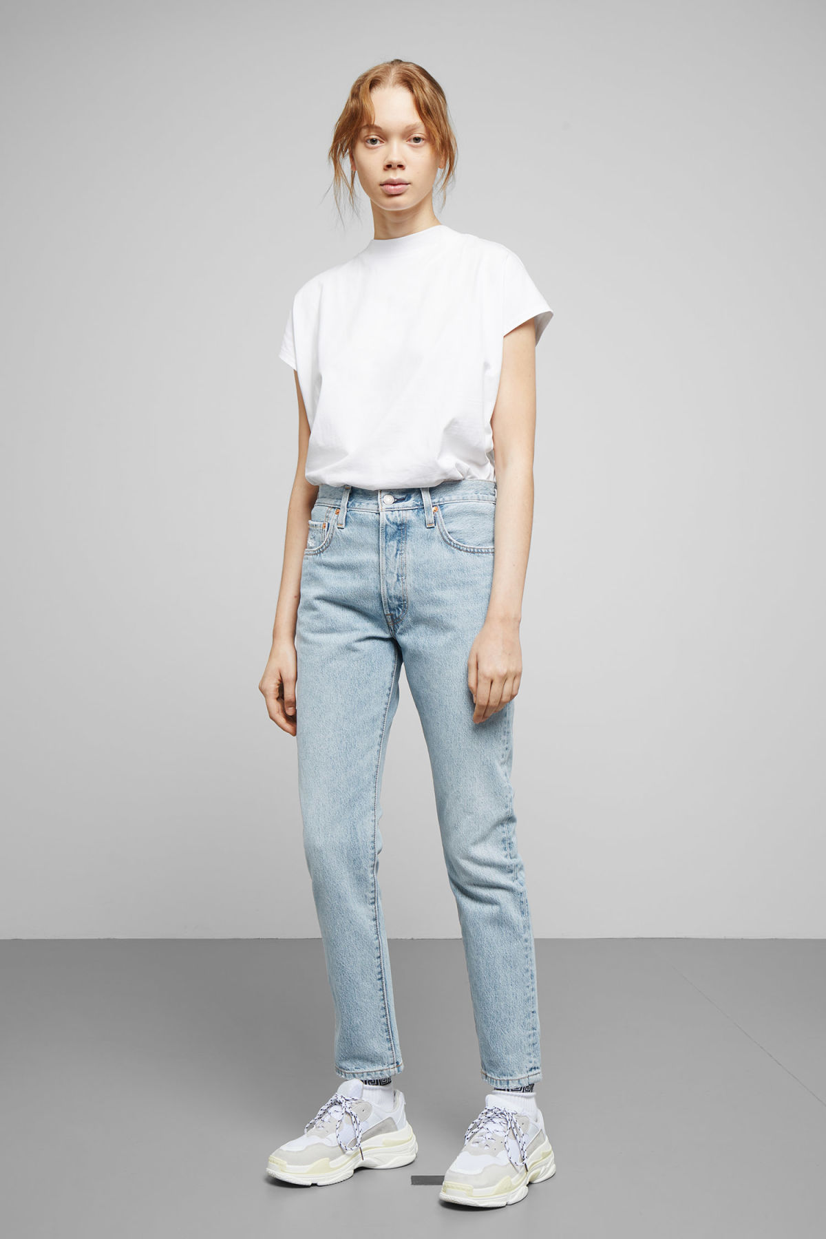 Model front image of Weekday 501 skinny lovefool jeans in blue