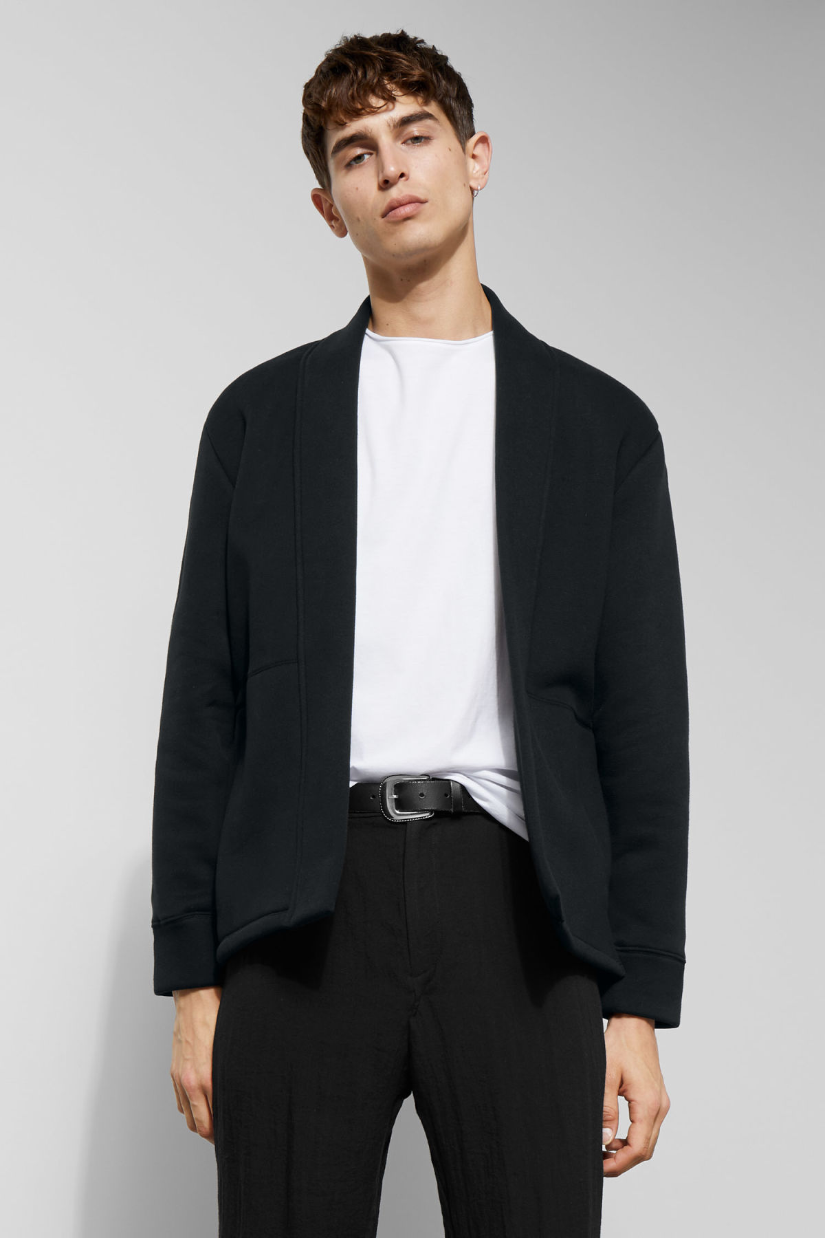 Model front image of Weekday coin cardigan in black