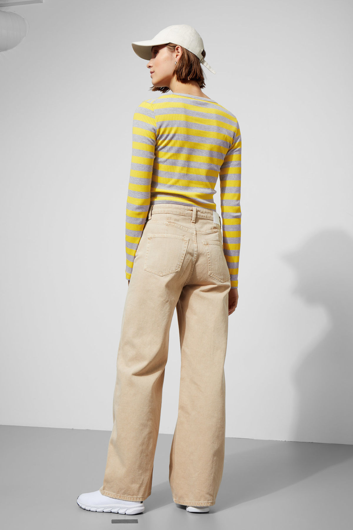 Model back image of Weekday  in yellow