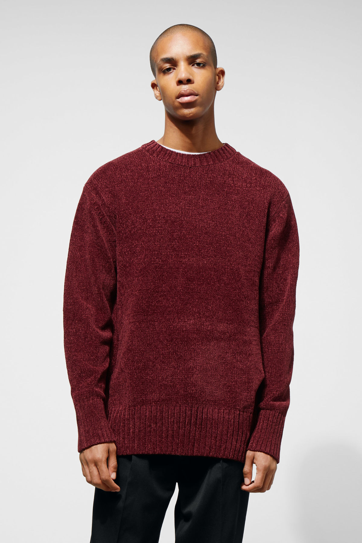 Model front image of Weekday chenille sweater in red