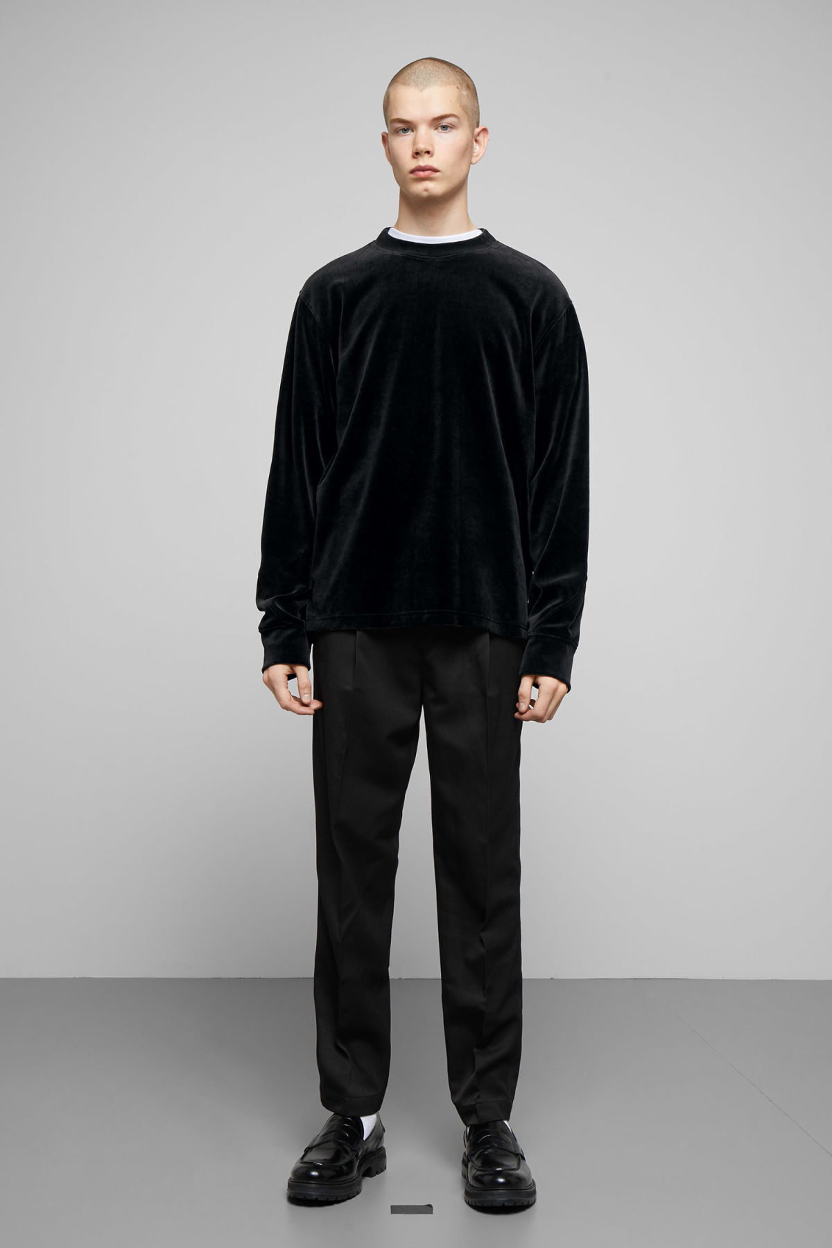 Model side image of Weekday score velvet sweatshirt in black