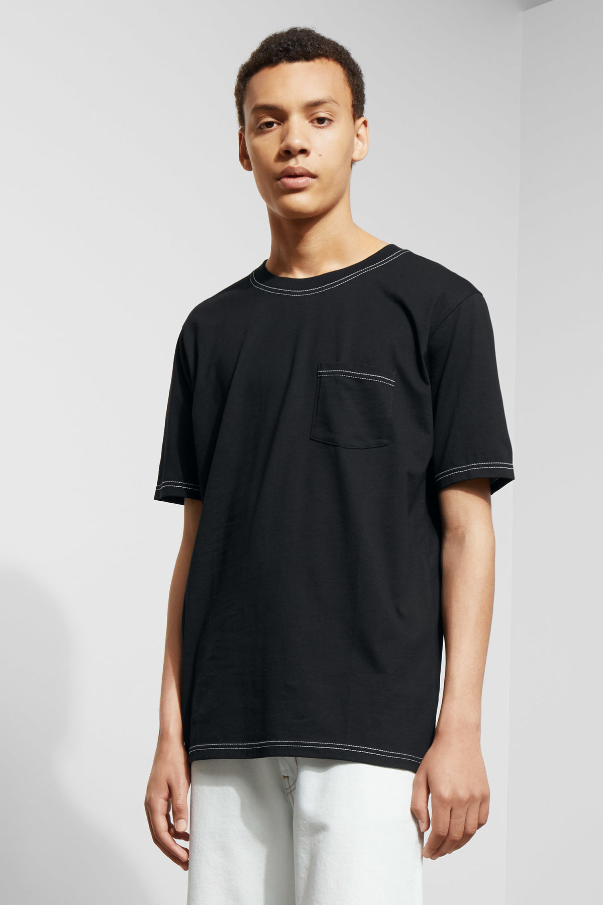 Model front image of Weekday kingston t-shirt in black