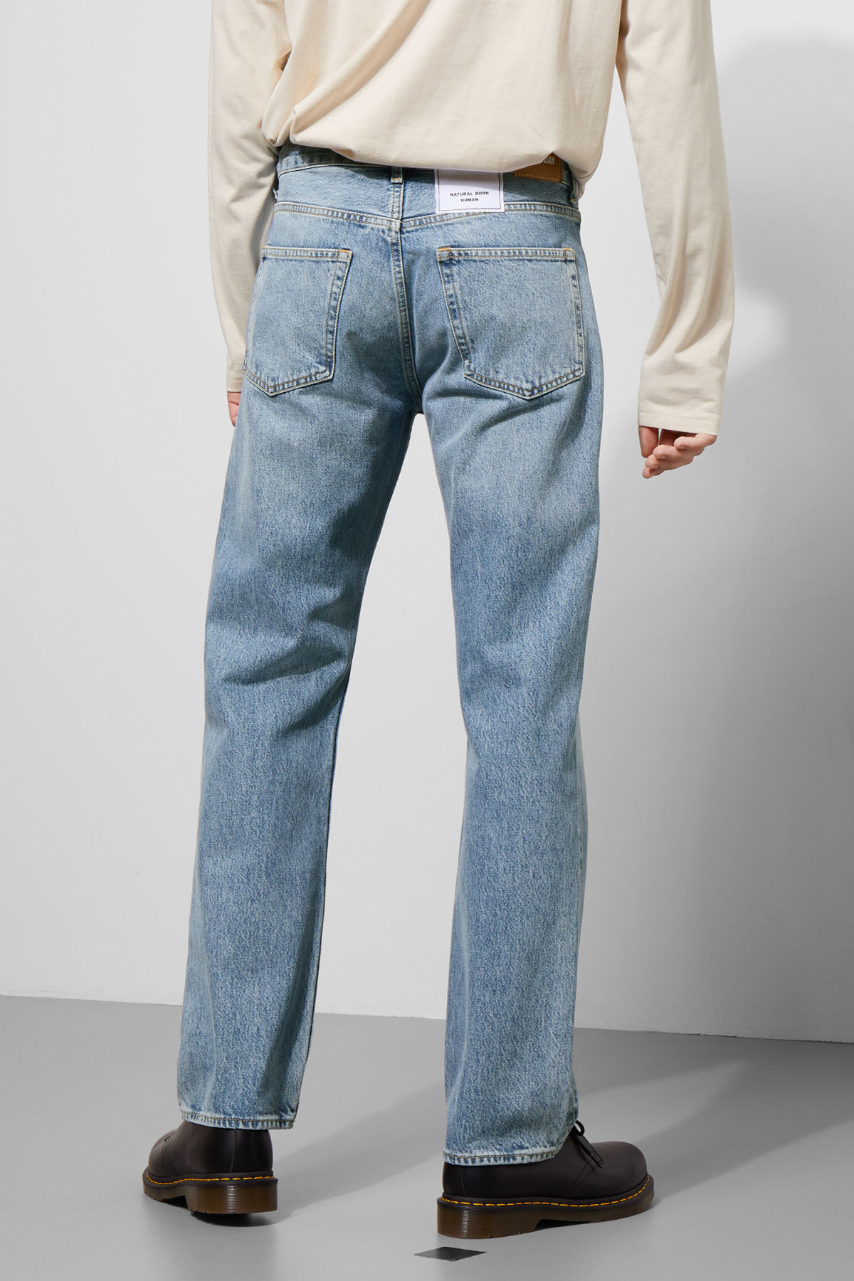 Model back image of Weekday lane washed blue jeans in blue