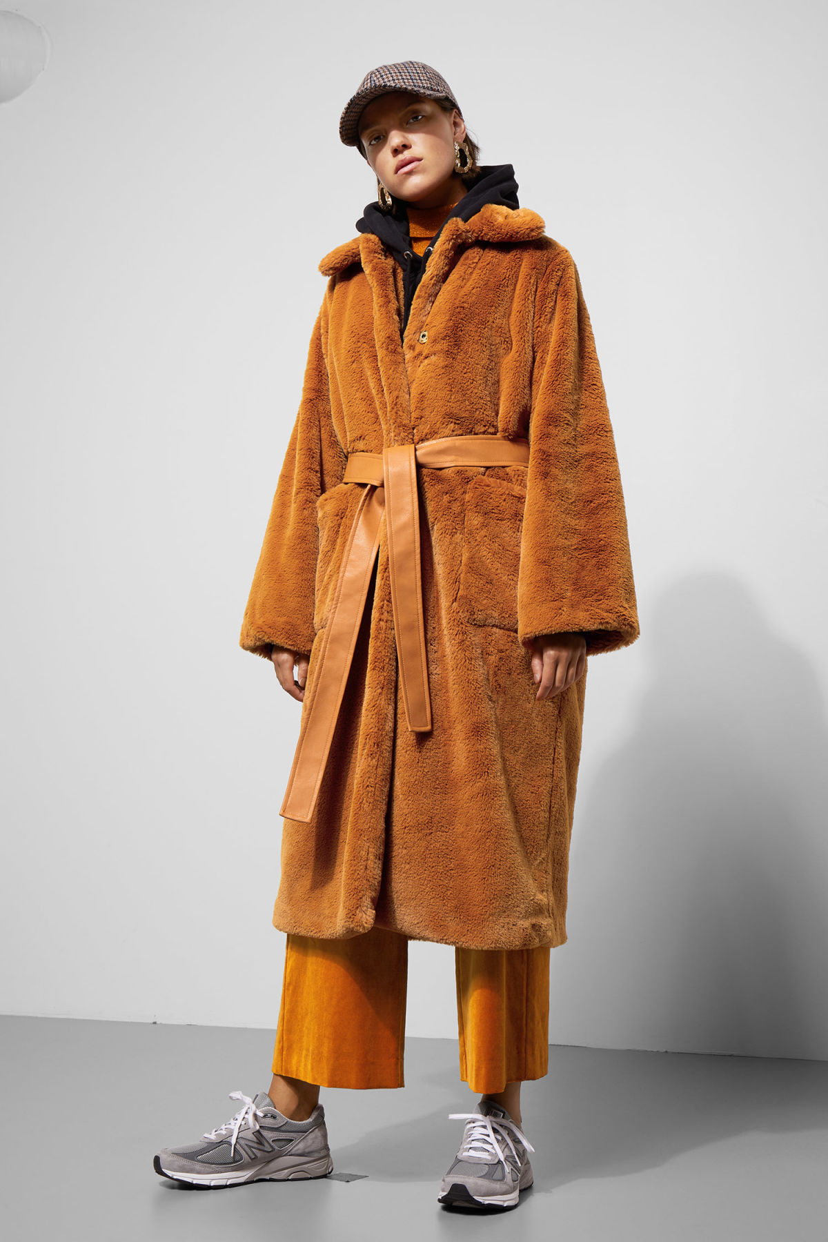 Model front image of Weekday claves coat in yellow