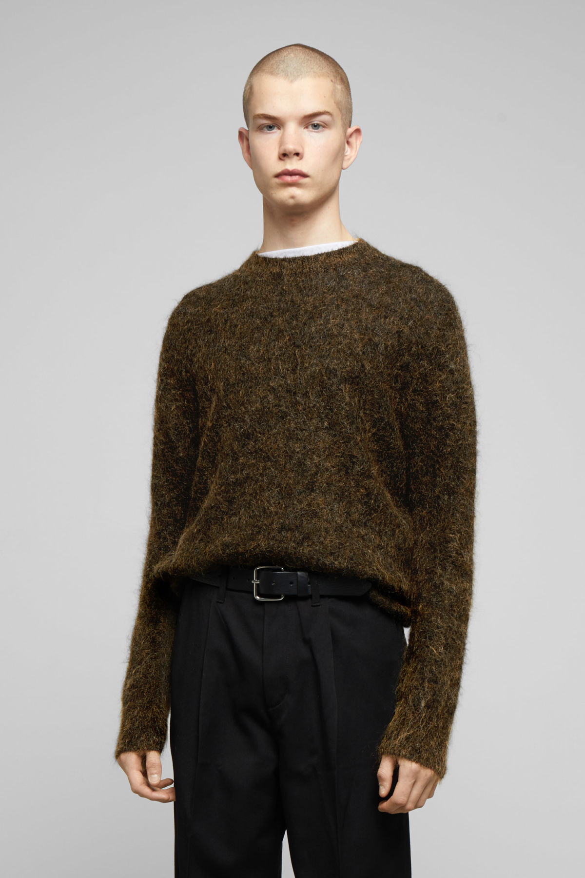 Model front image of Weekday harry sweater in yellow