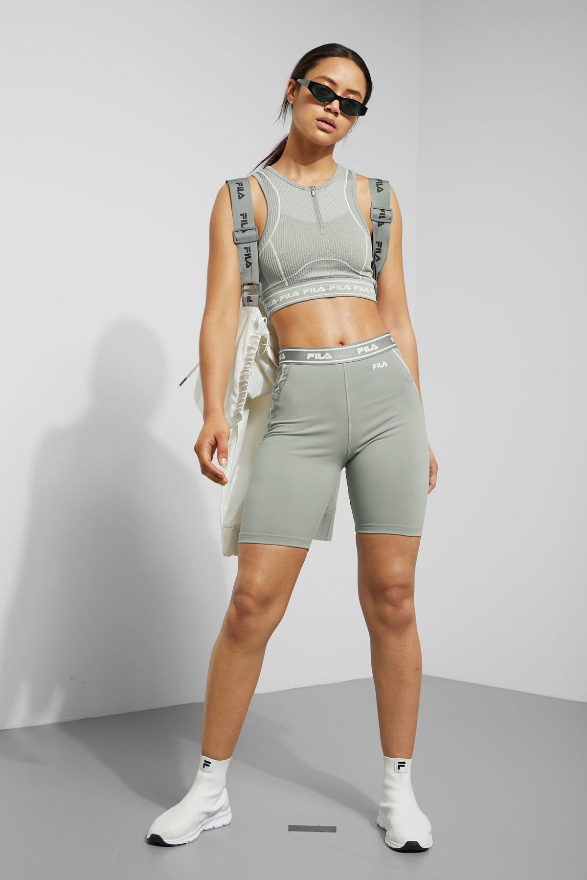 Model front image of Weekday alba shorts in grey