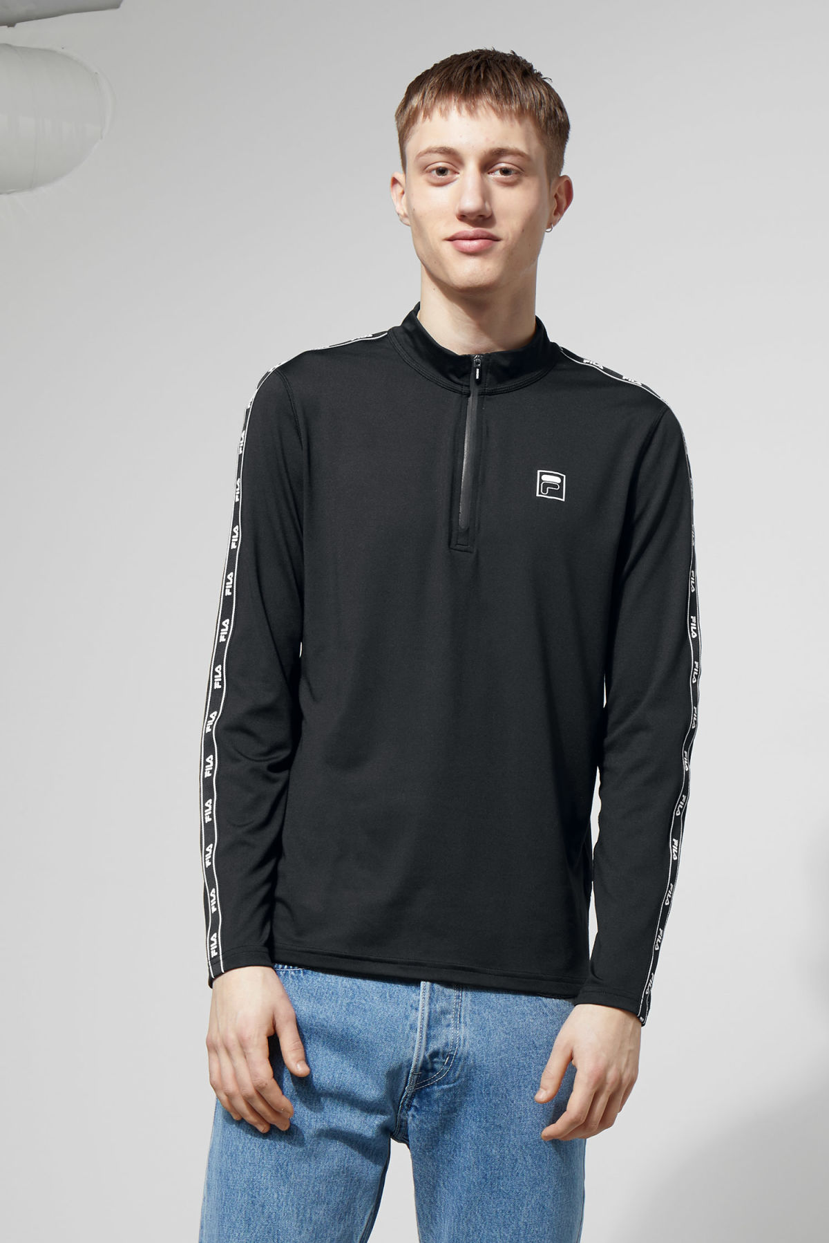 Model front image of Weekday imola zip sweatshirt in black