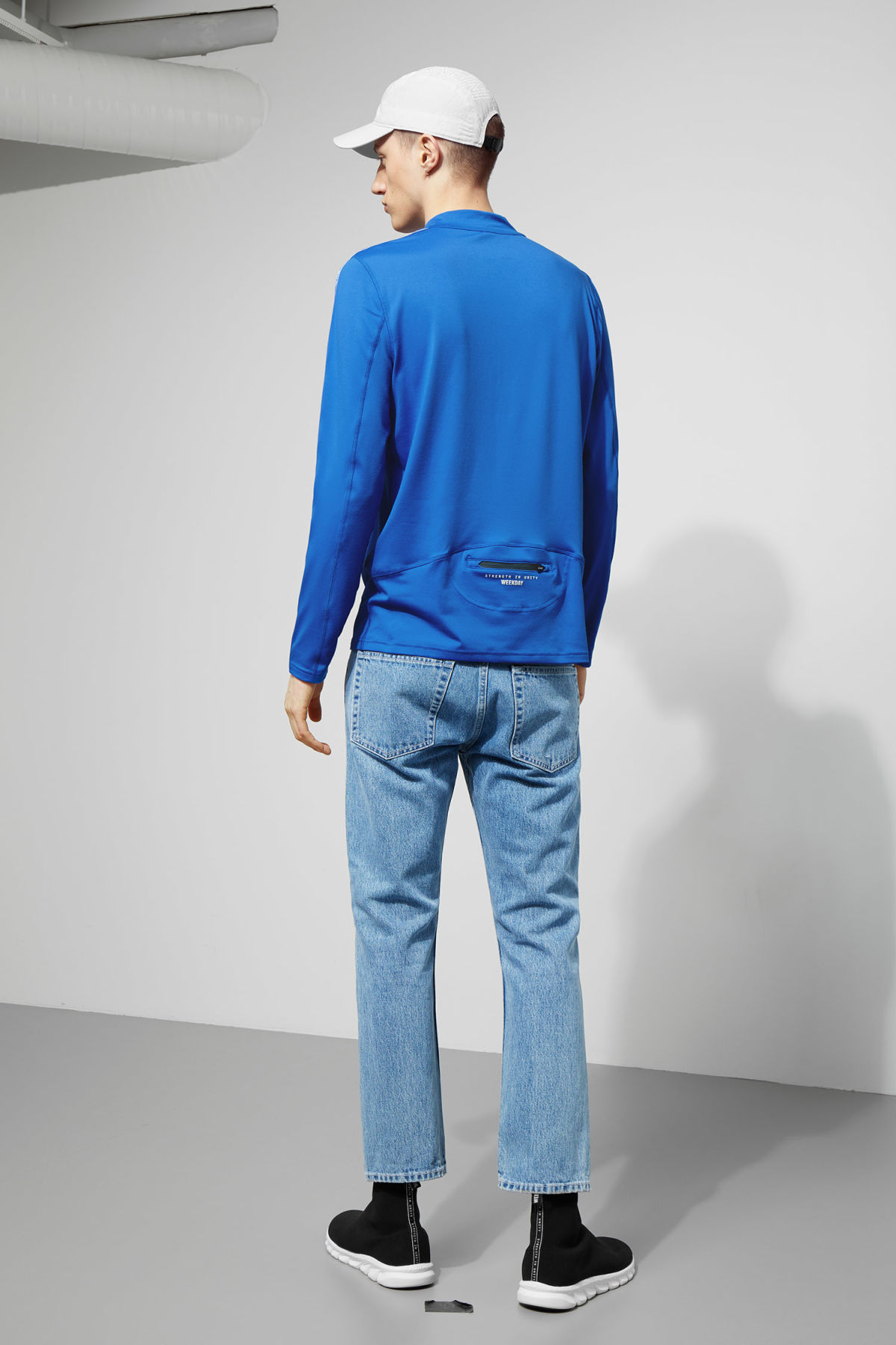 Model back image of Weekday imola zip sweatshirt in blue
