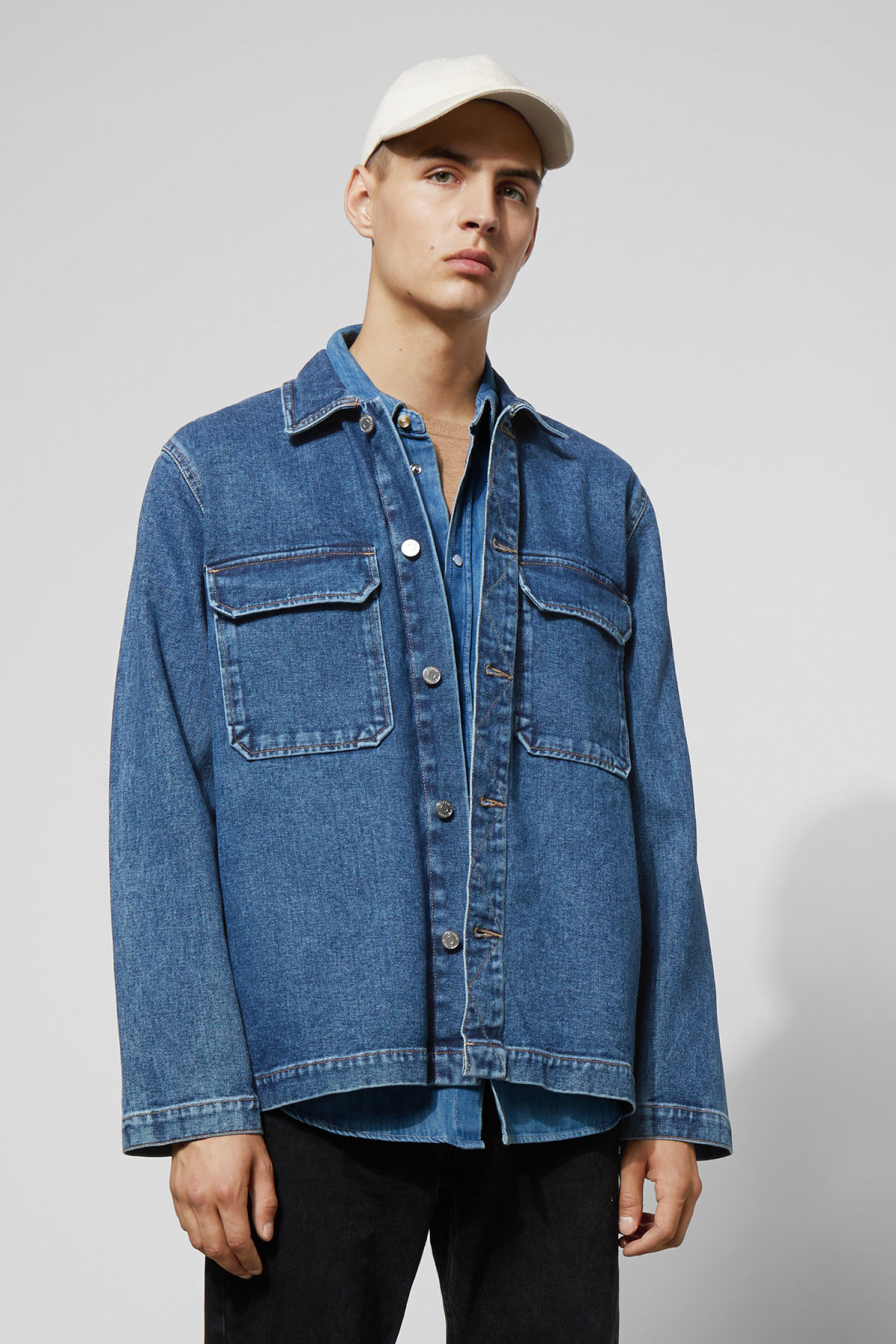 Model front image of Weekday mira 20 blue denim shirt in blue
