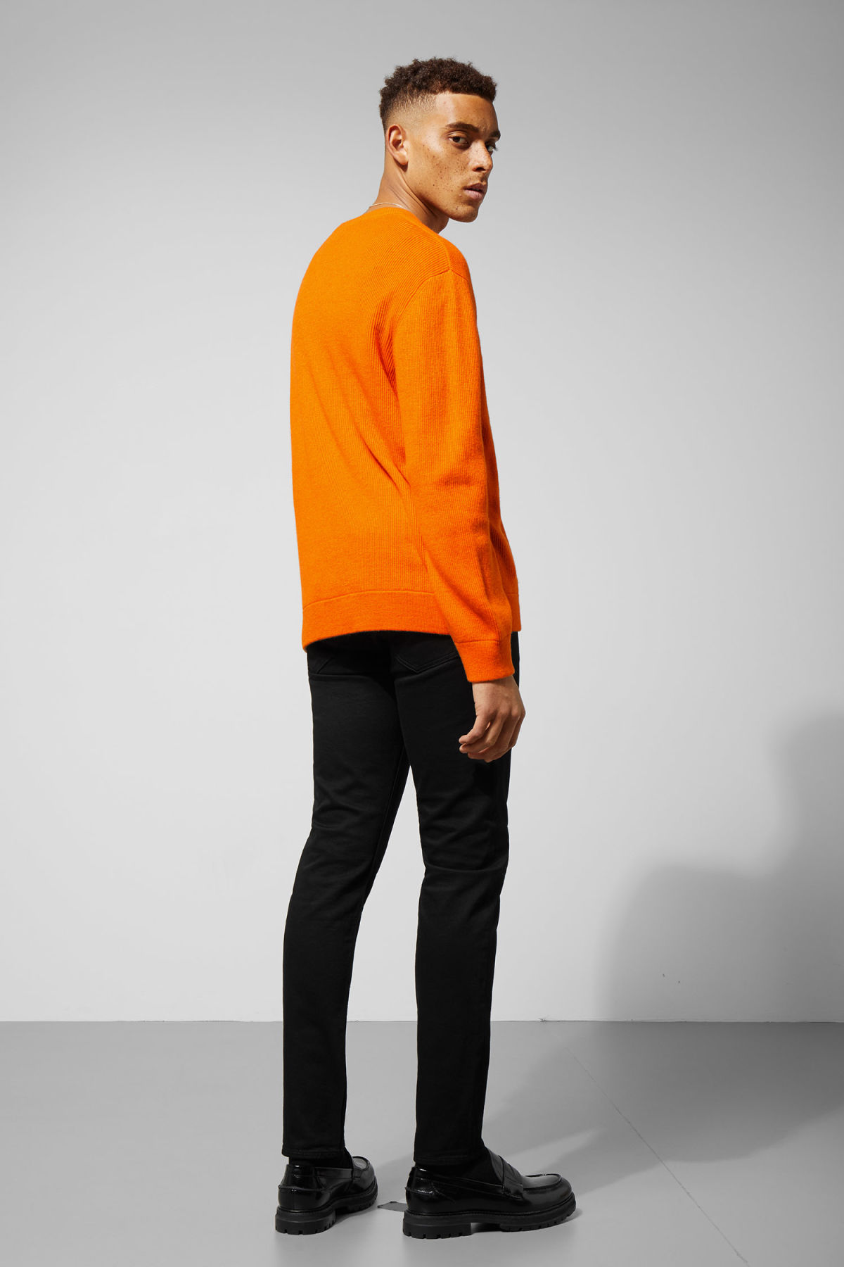Model back image of Weekday  in orange