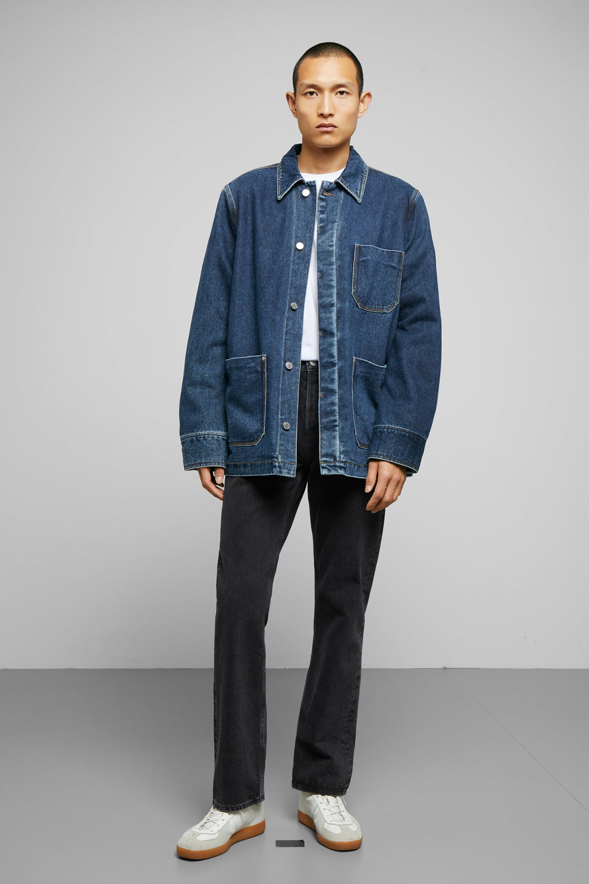 Model side image of Weekday quit 20 blue jacket in blue