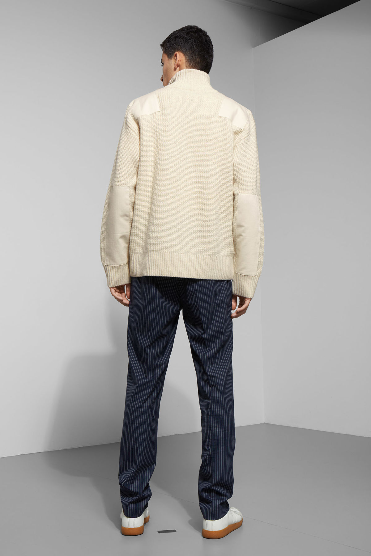 Model back image of Weekday haze turtleneck sweater in beige