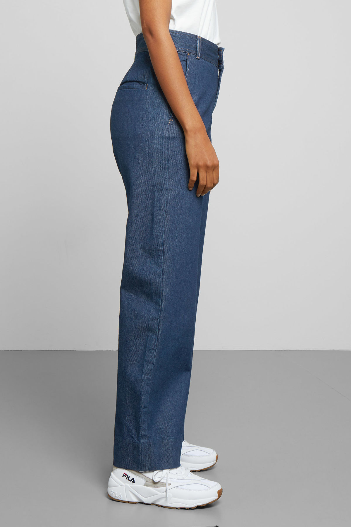 Model back image of Weekday cory denim trousers in blue