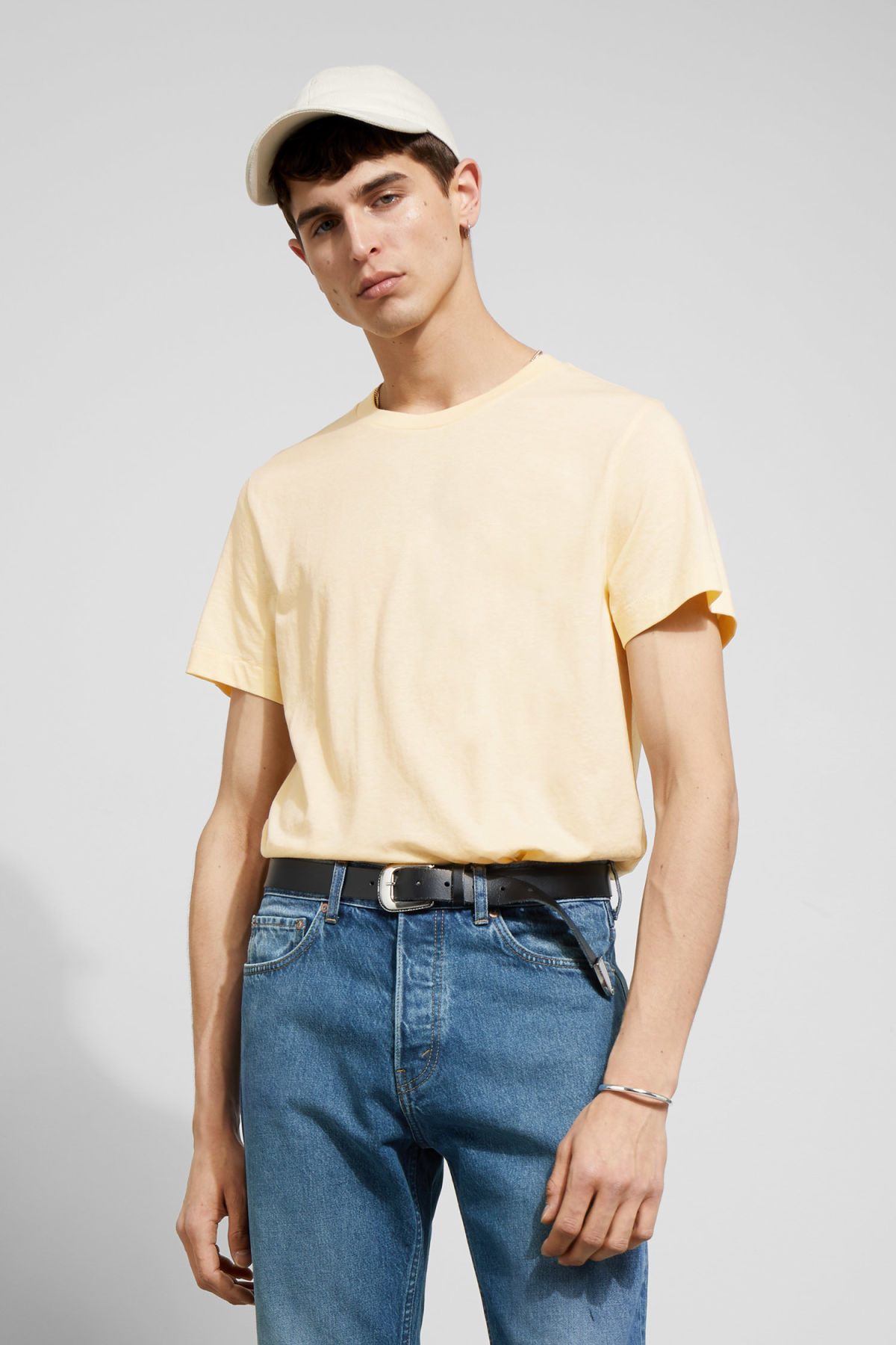 Model front image of Weekday pictor t-shirt in yellow
