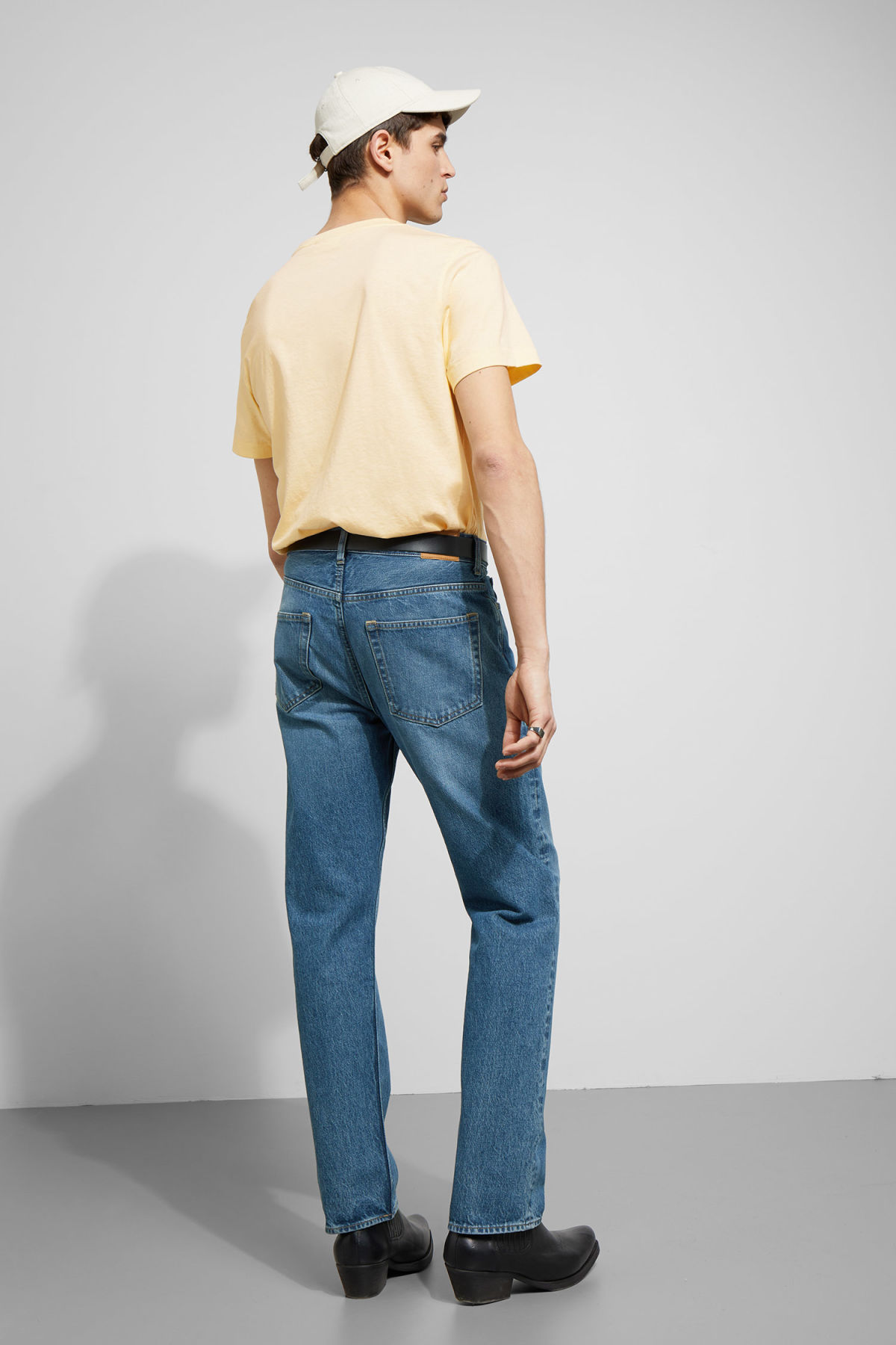 Model back image of Weekday pictor t-shirt in yellow