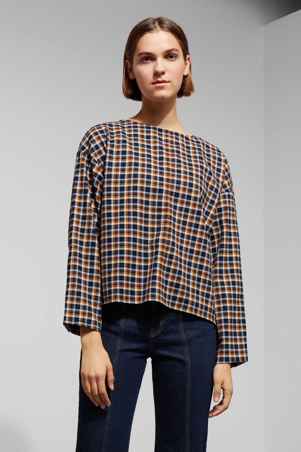Model front image of Weekday sally check woven top in blue