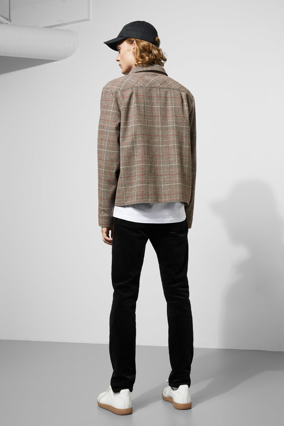 Model back image of Weekday chuck checked shirt in black