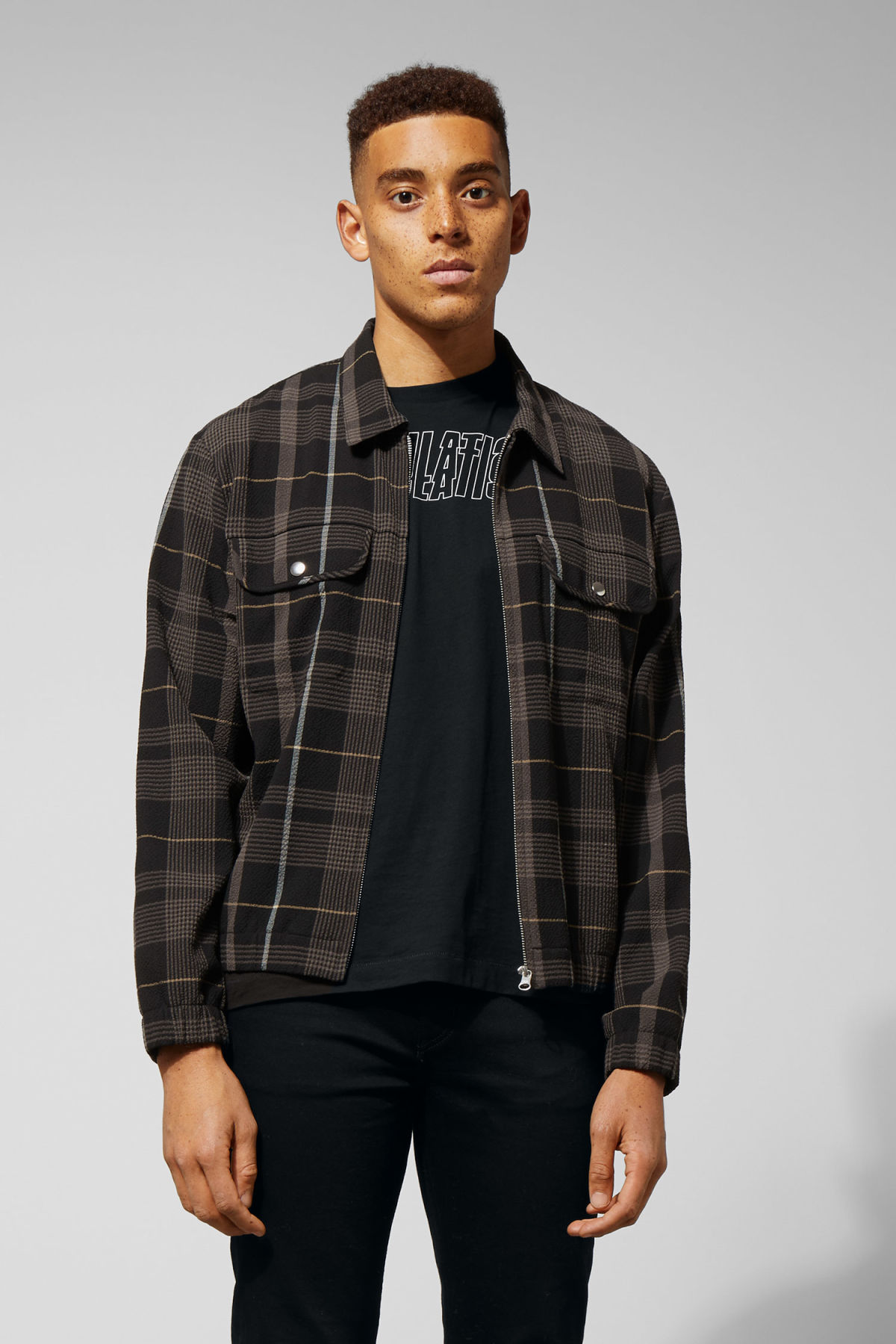 Model front image of Weekday ziggy zip checked shirt in black