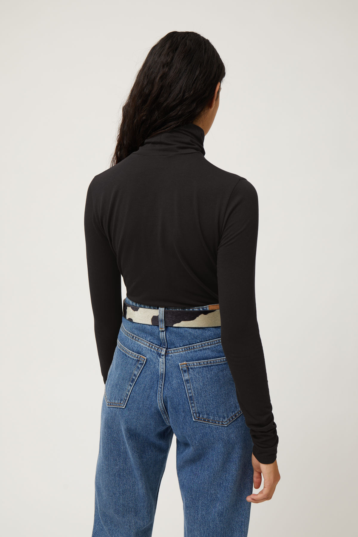 Model back image of Weekday chie turtleneck in black