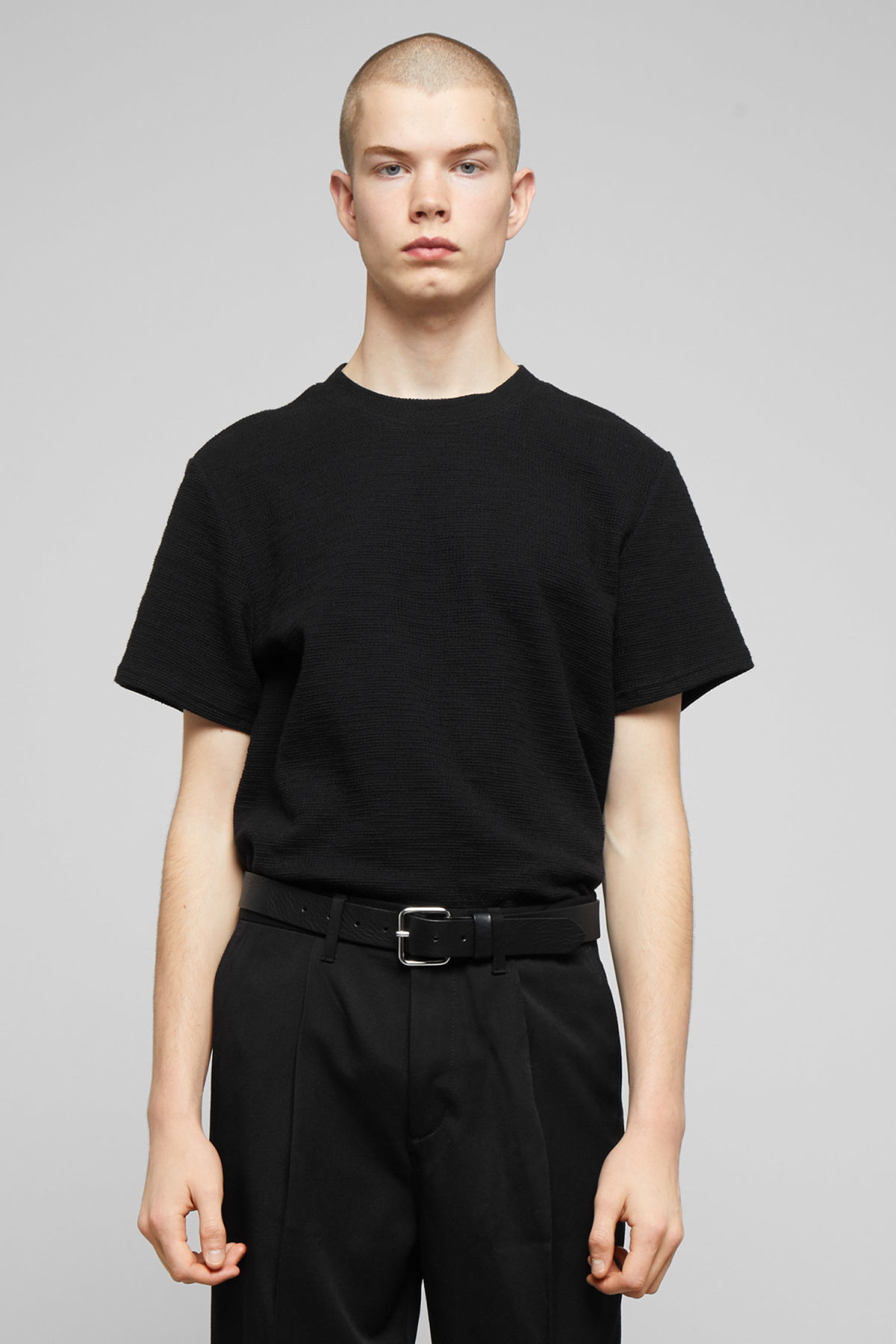 Model front image of Weekday bob structured t-shirt in black