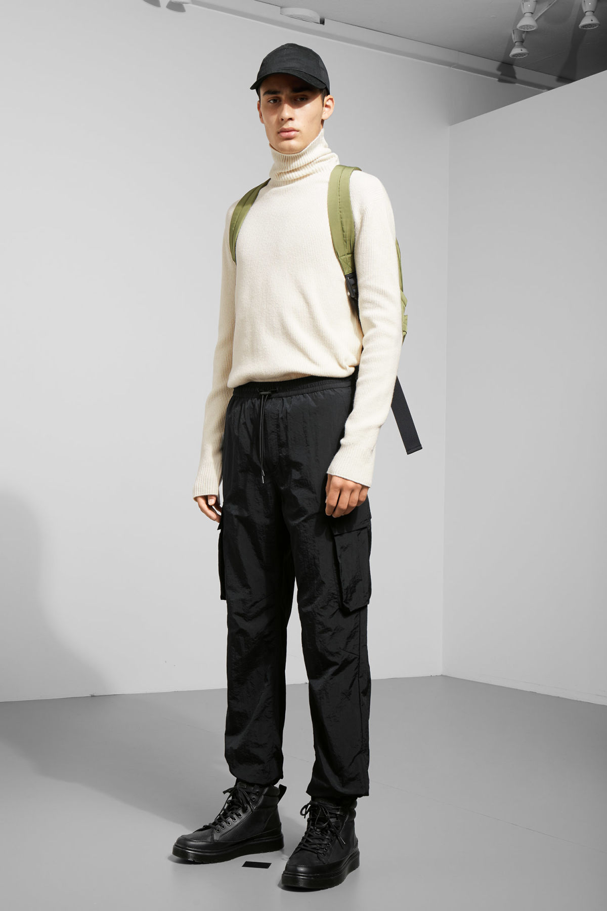 Model front image of Weekday dorje pocket trousers in black
