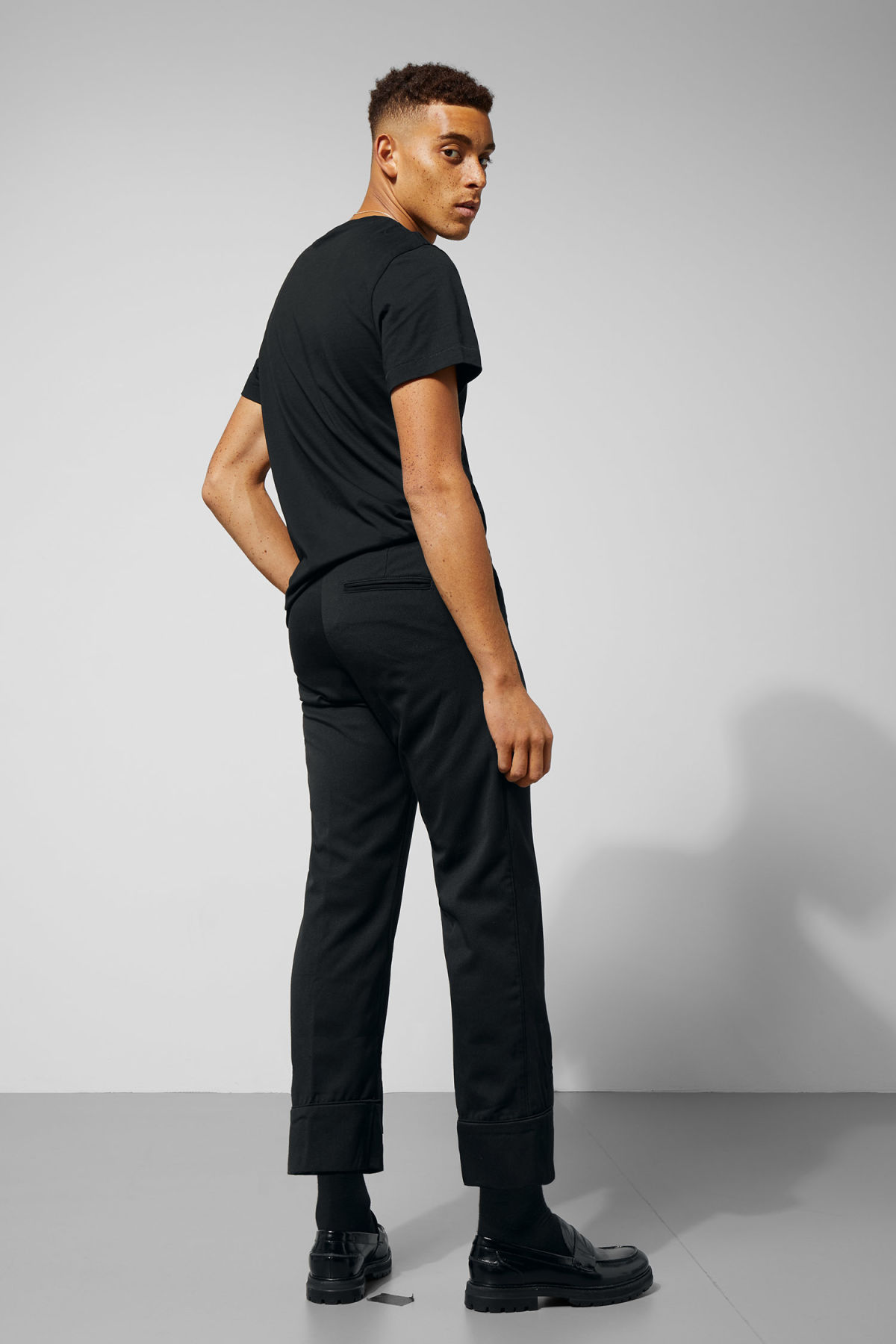 Model back image of Weekday piccolo trousers in black