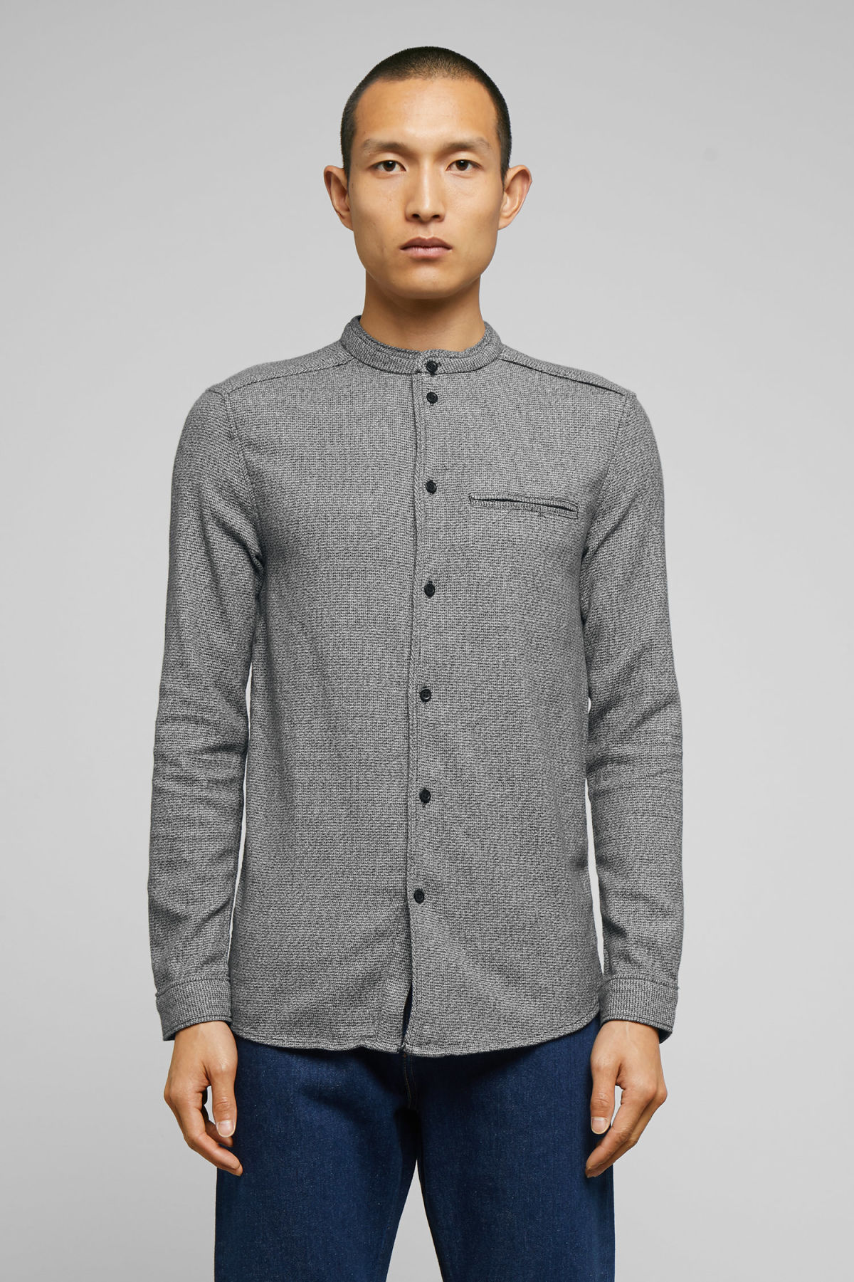 Model front image of Weekday hunt salt and pepper shirt in black