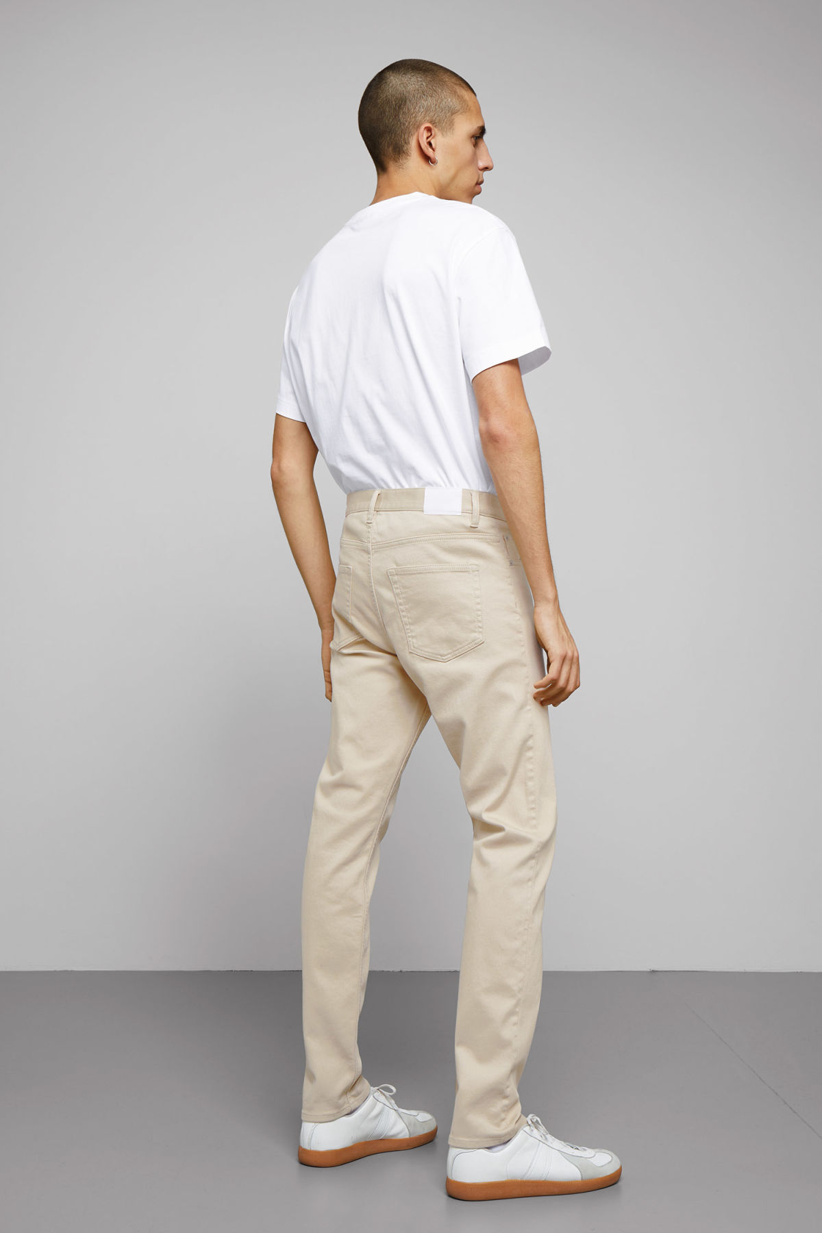 Model back image of Weekday sunday bedford trousers in beige