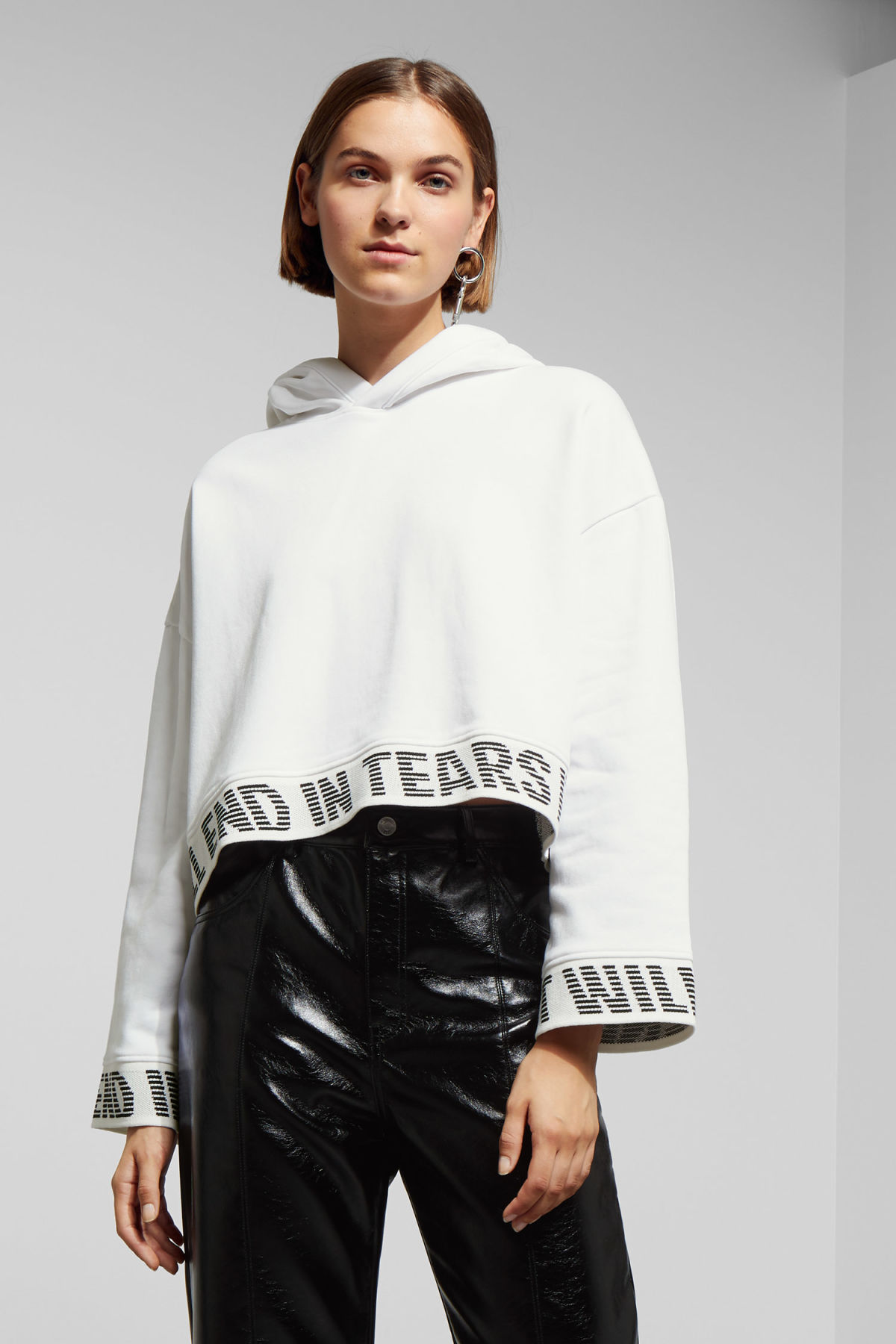 Model front image of Weekday enter sweatshirt in white