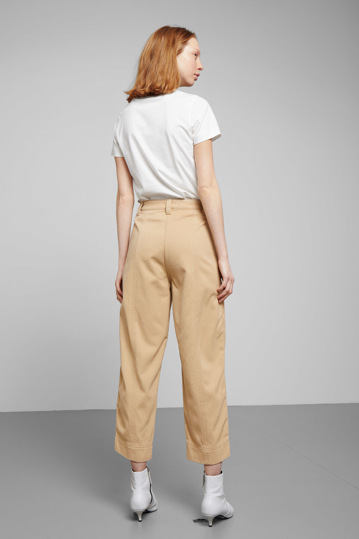 Model back image of Weekday tami trousers in beige
