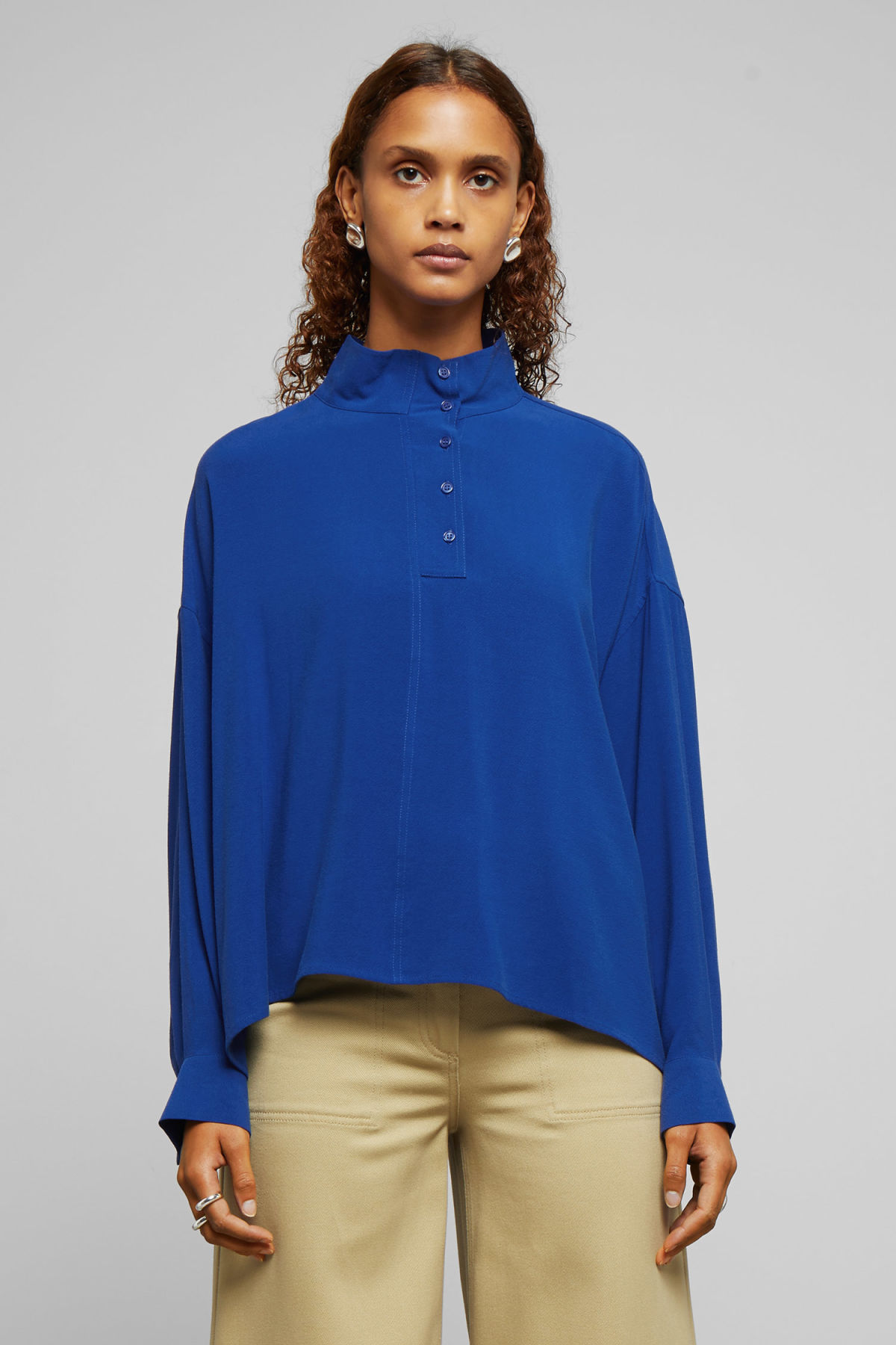 Model front image of Weekday banjo shirt in blue