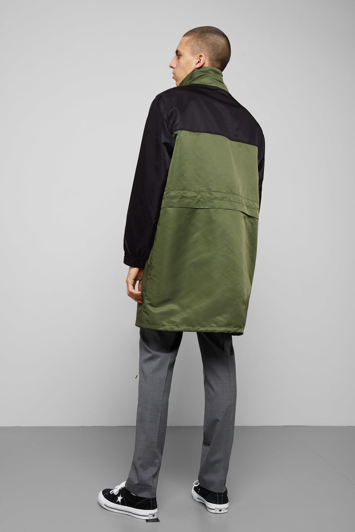 Model back image of Weekday erik parka in green